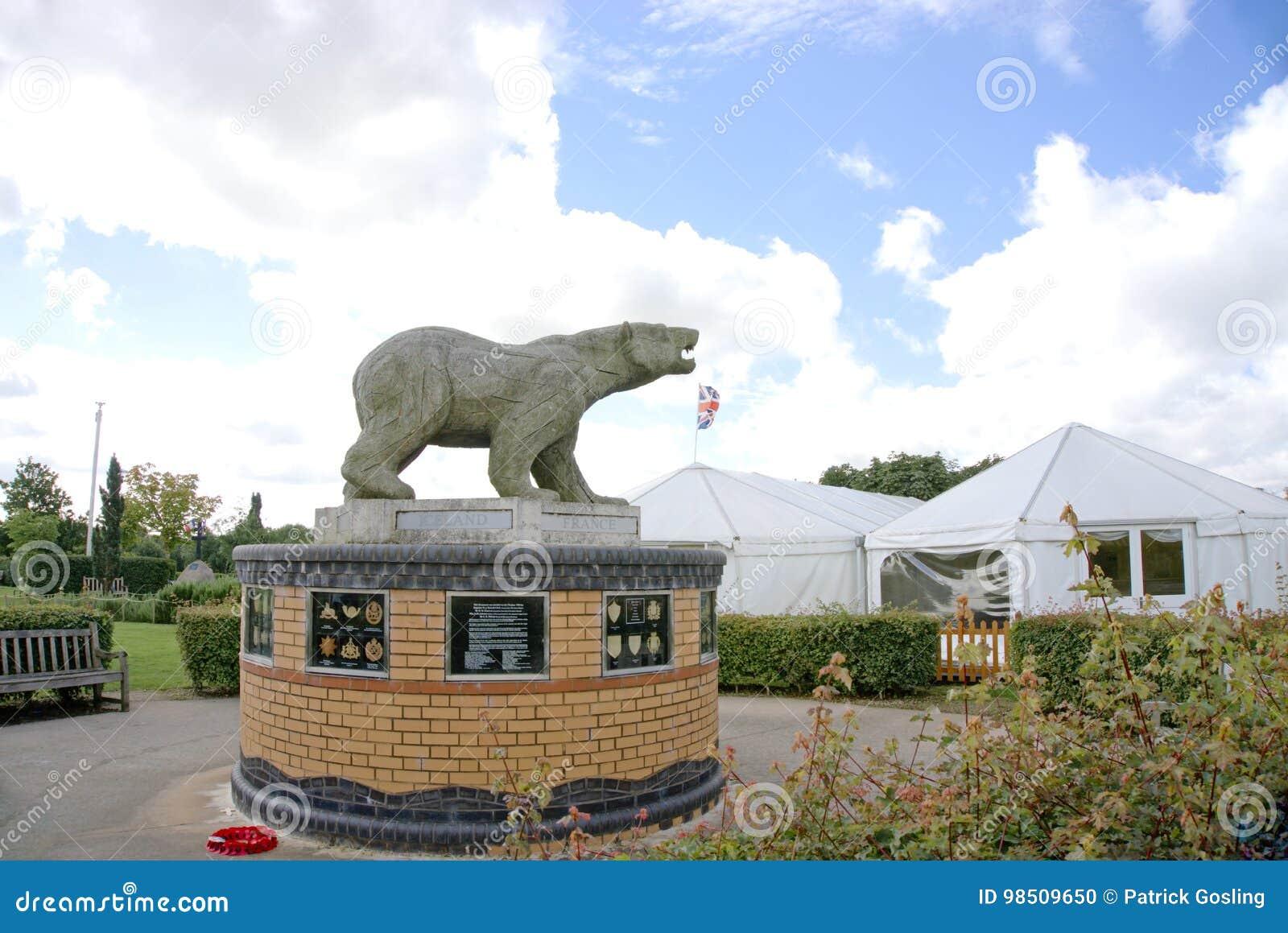 Eisbär-Denkmal