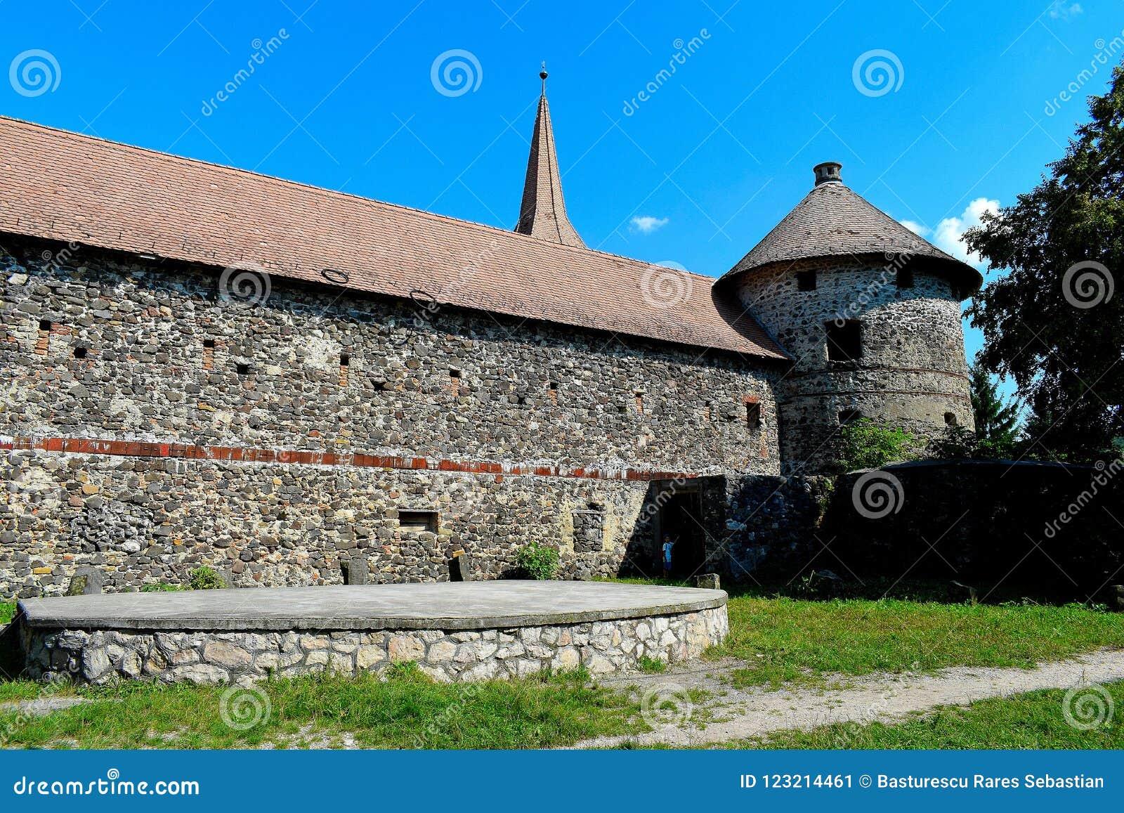 El ¼ de Sà kösd-Bethlen el castillo, certificado en 1636 como edificio medieval situado en Racos, Brasov