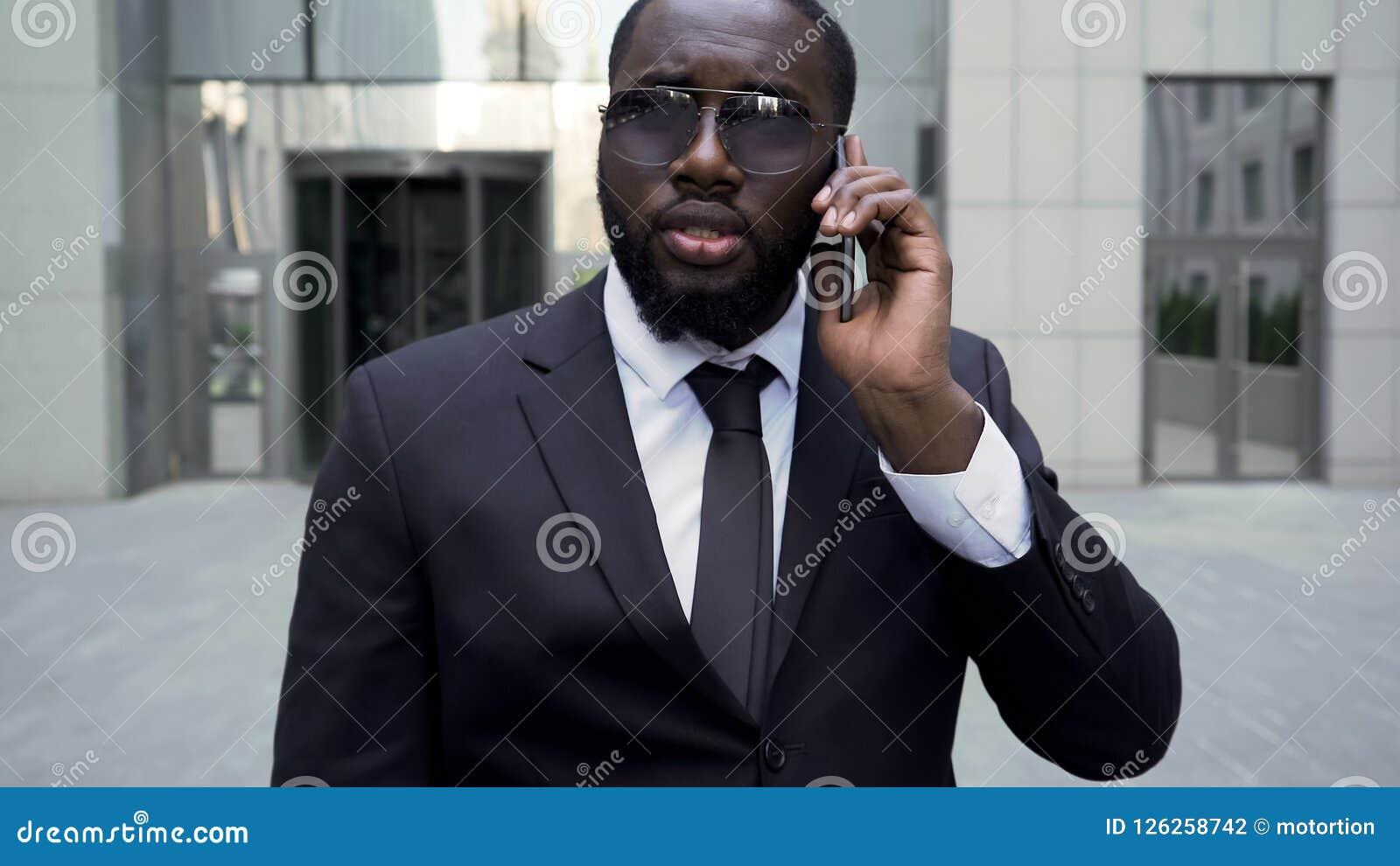 El abogado que se niega a afrontar el edificio, traje del grupo, protección de trabajadores endereza