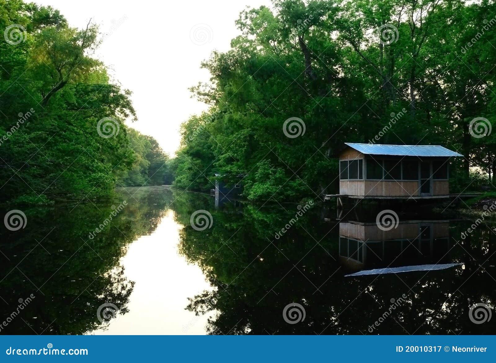 El acampar en el pantano