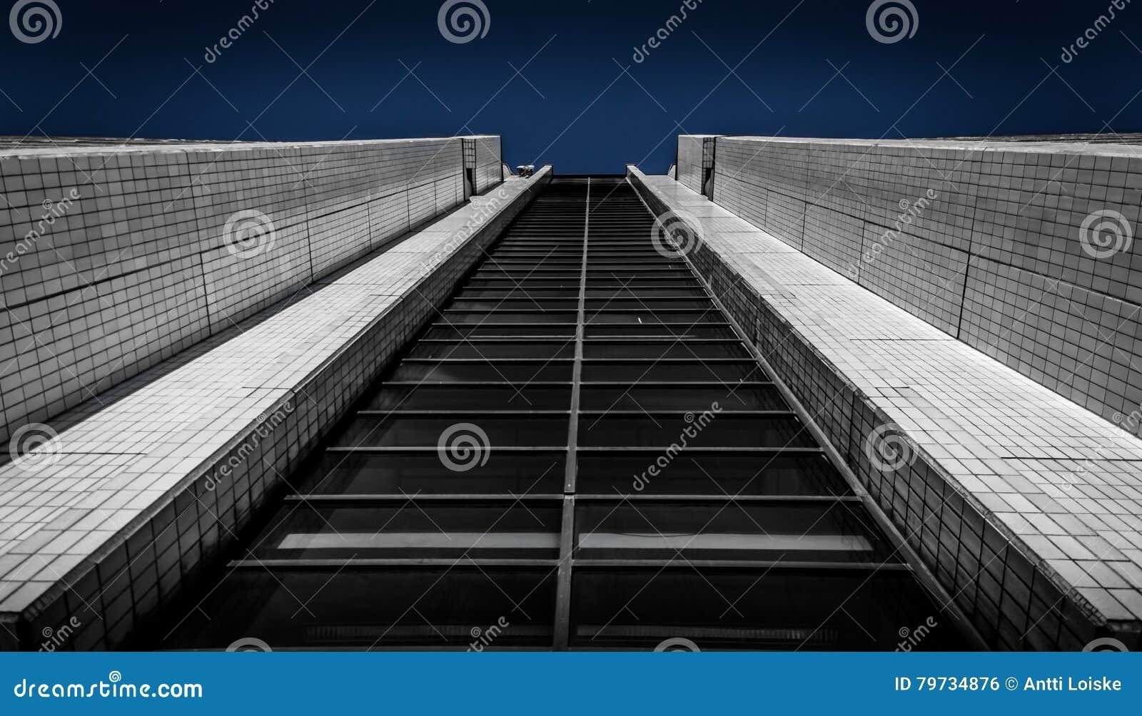 El alcanzar arriba