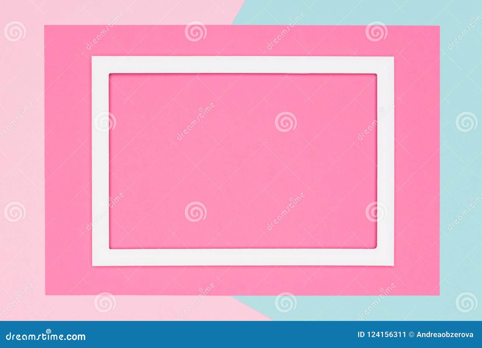 El azul en colores pastel geométrico abstracto, el trullo y el plano de papel rosado ponen el fondo Minimalismo, geometría y plan
