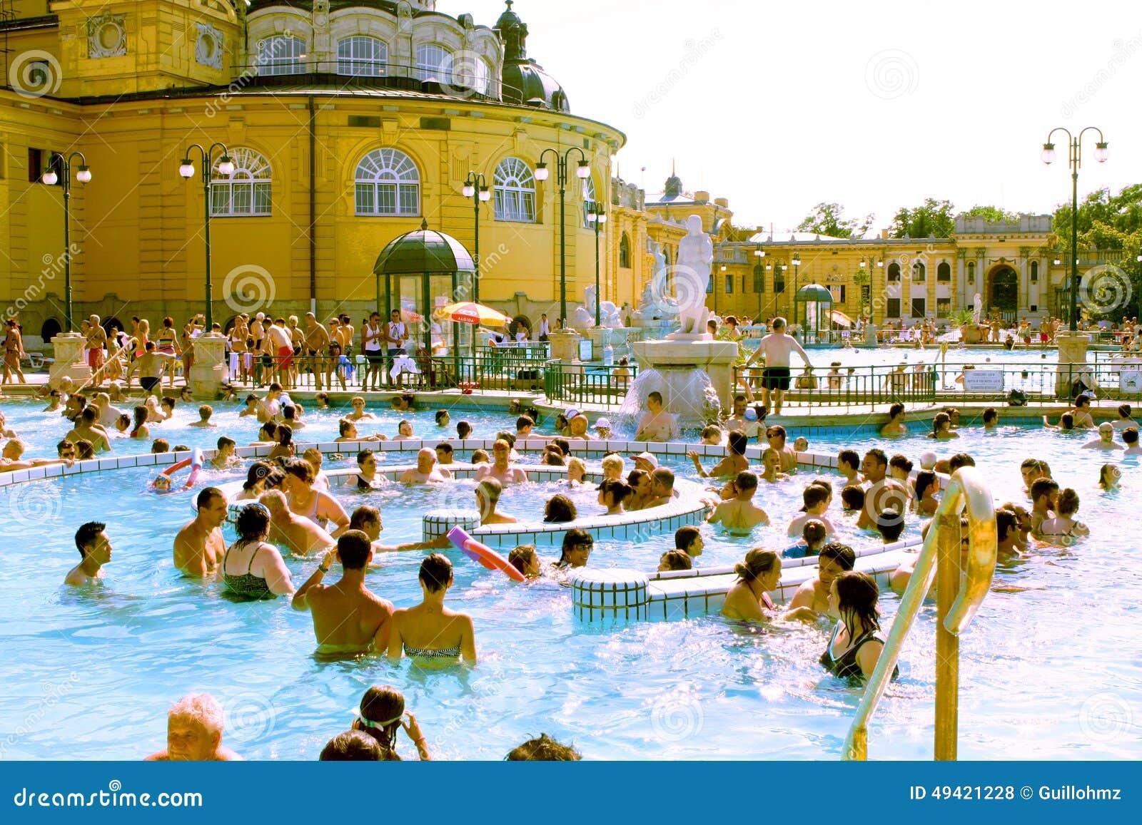 Diseno De Baños Termales:El baño termal de Széchenyi – Budapest – Hungría Foto de archivo