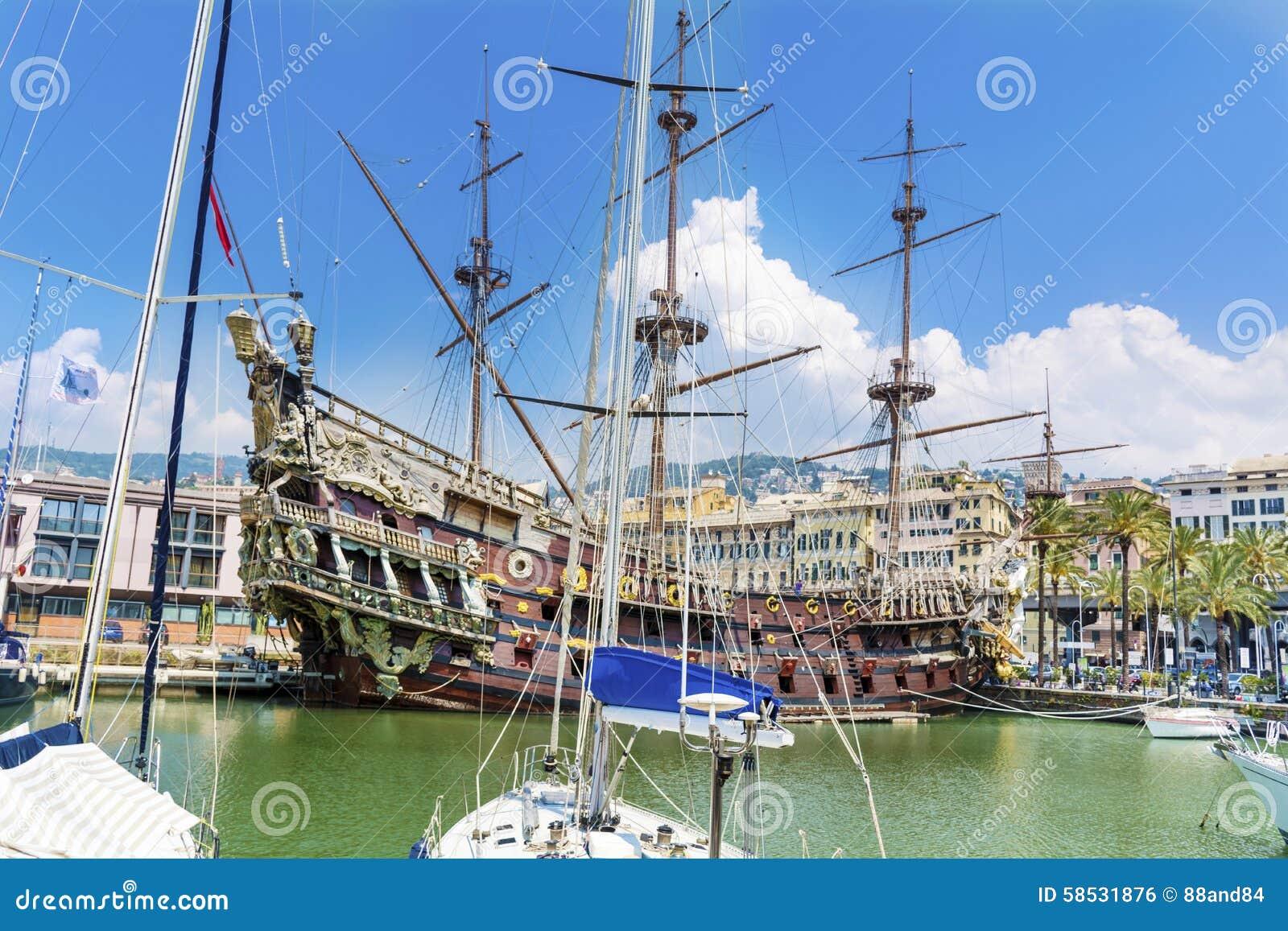 El Barco Pirata Del Galeón De Neptuno En Génova, Italia Foto ...