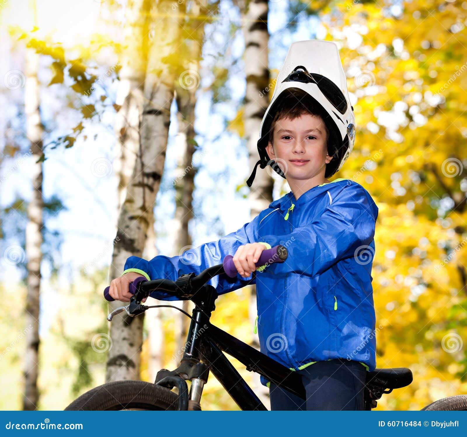 El biking del muchacho