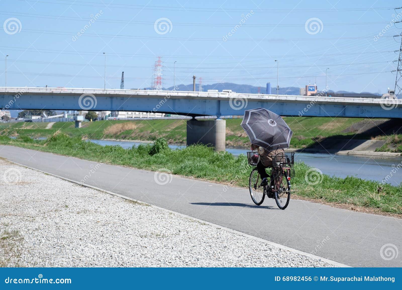El Biking en una trayectoria