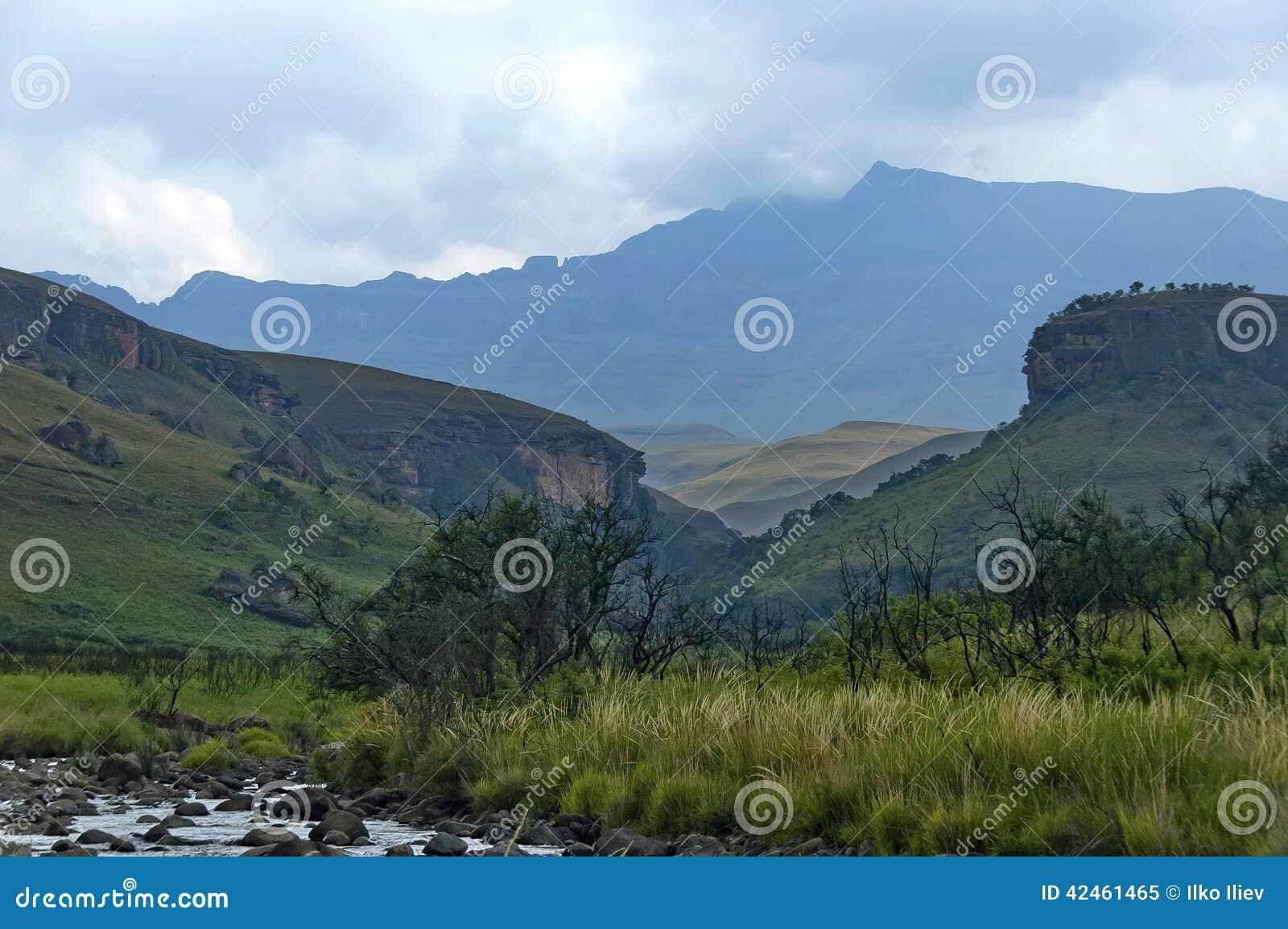 El Bushmans River Valley en reserva de naturaleza de Kwazulu Natal del castillo de Giants