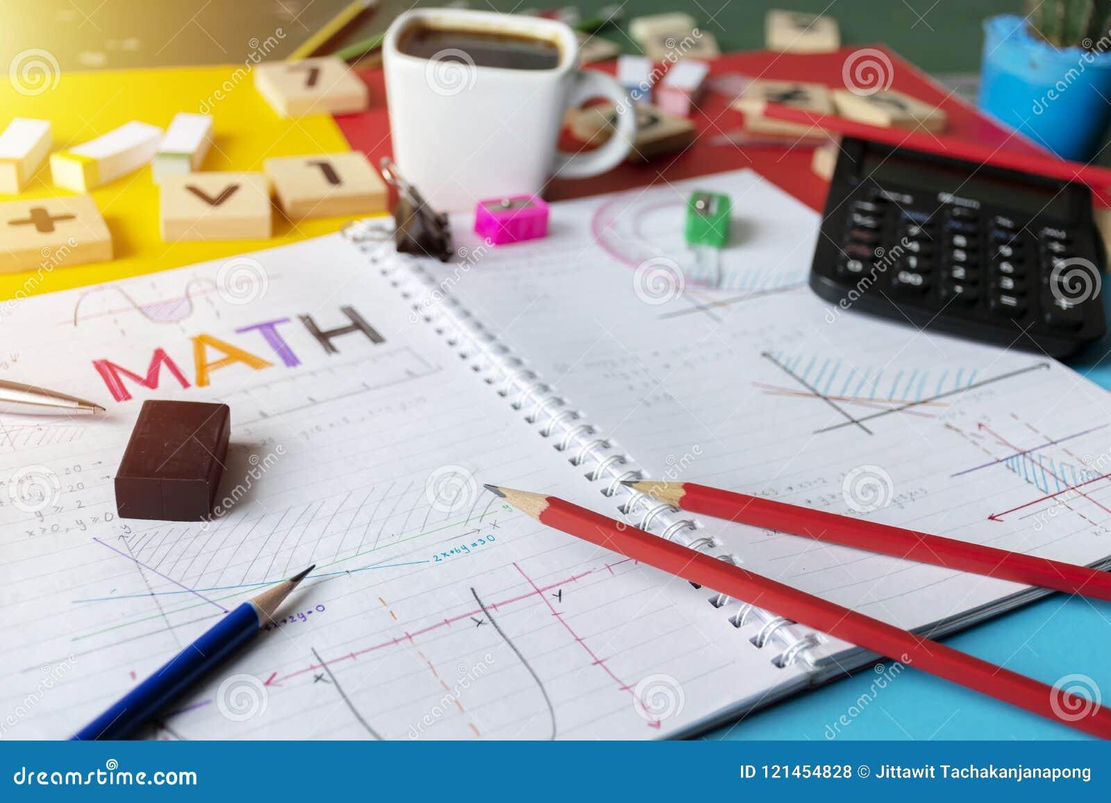 El cálculo de la álgebra de la matemáticas de las matemáticas numera concepto