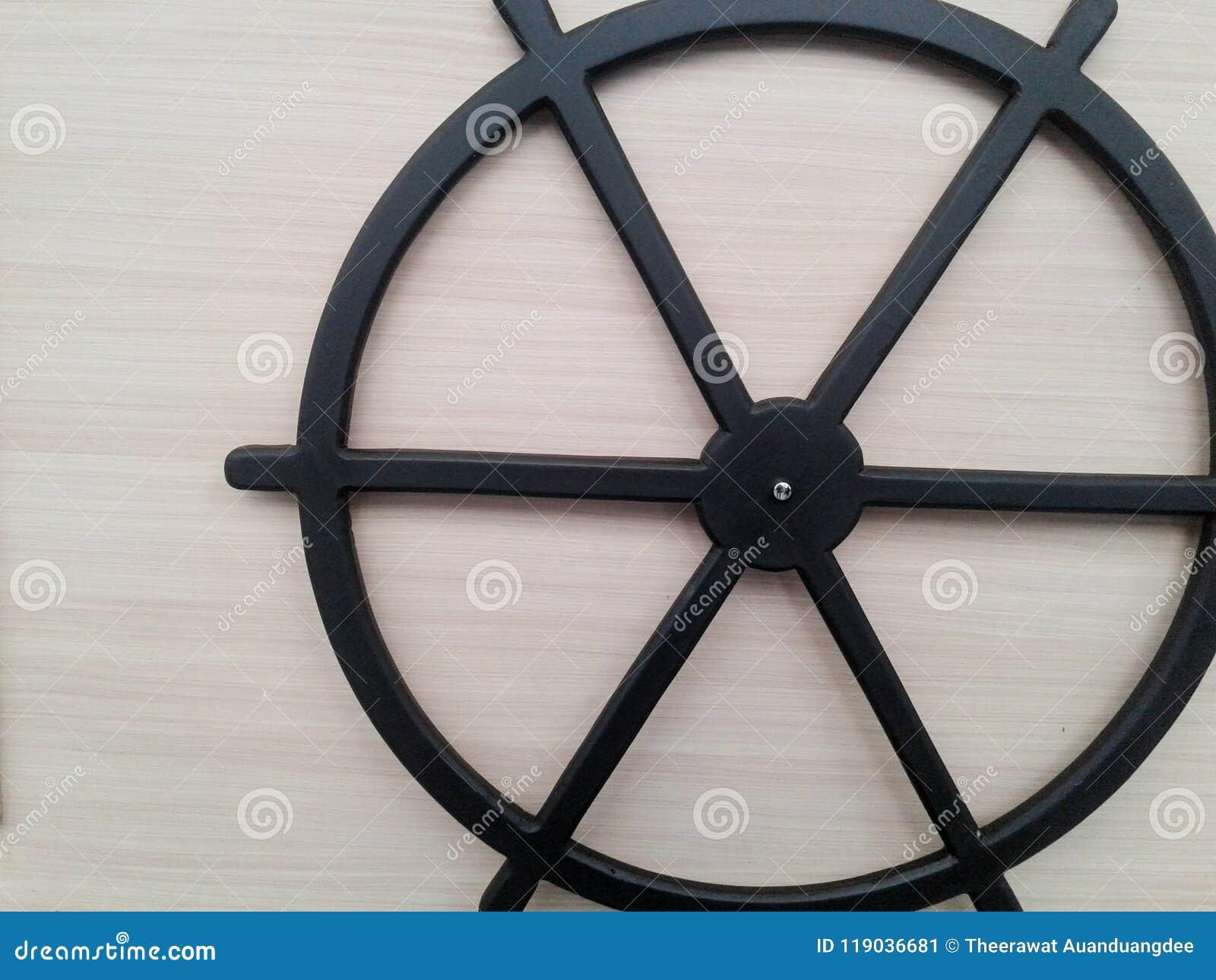 El círculo negro afloja volante adentro épocas antiguas