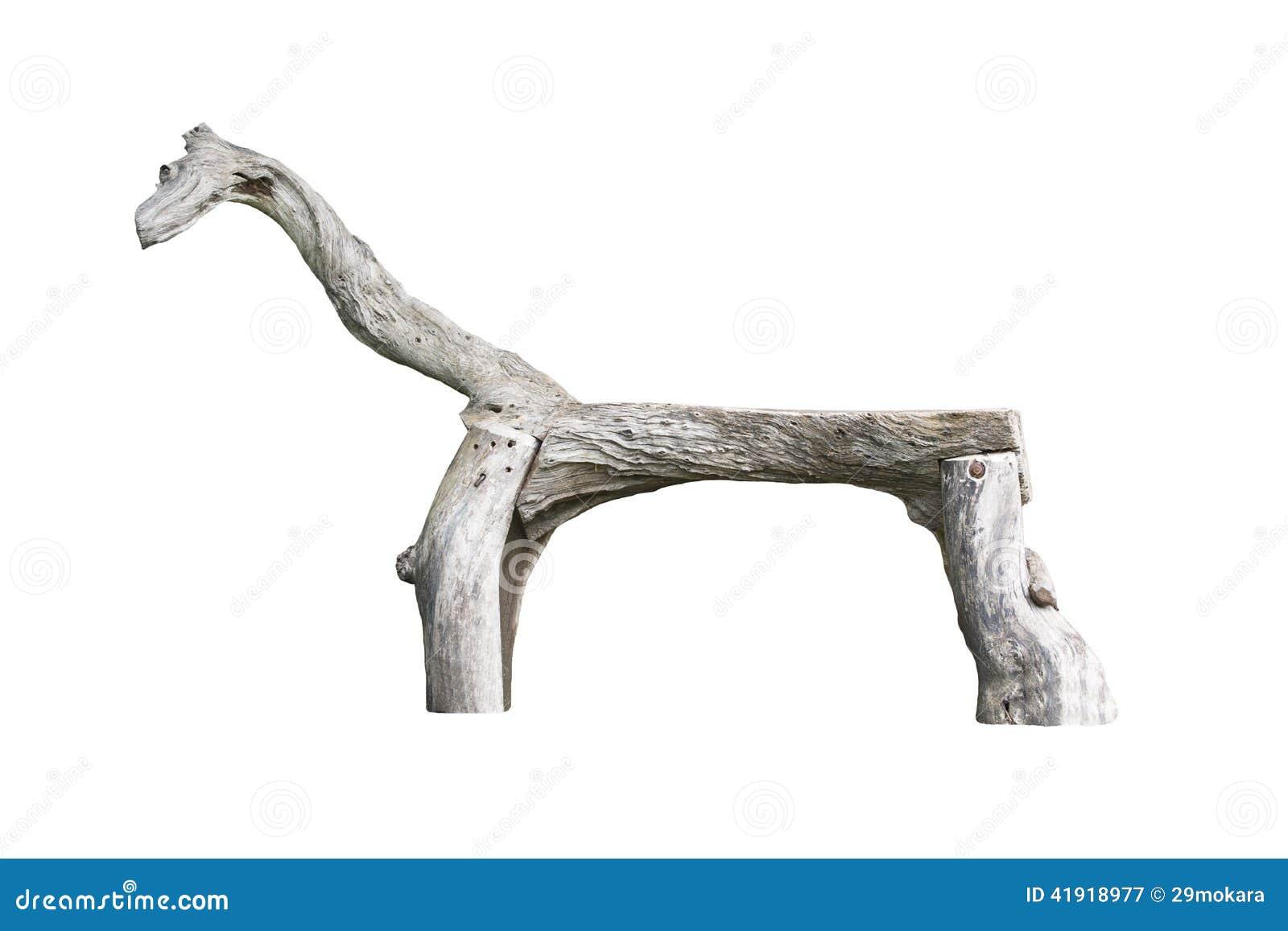 El caballo de madera, banco formó como un caballo en el parque al aire libre hecho por la madera