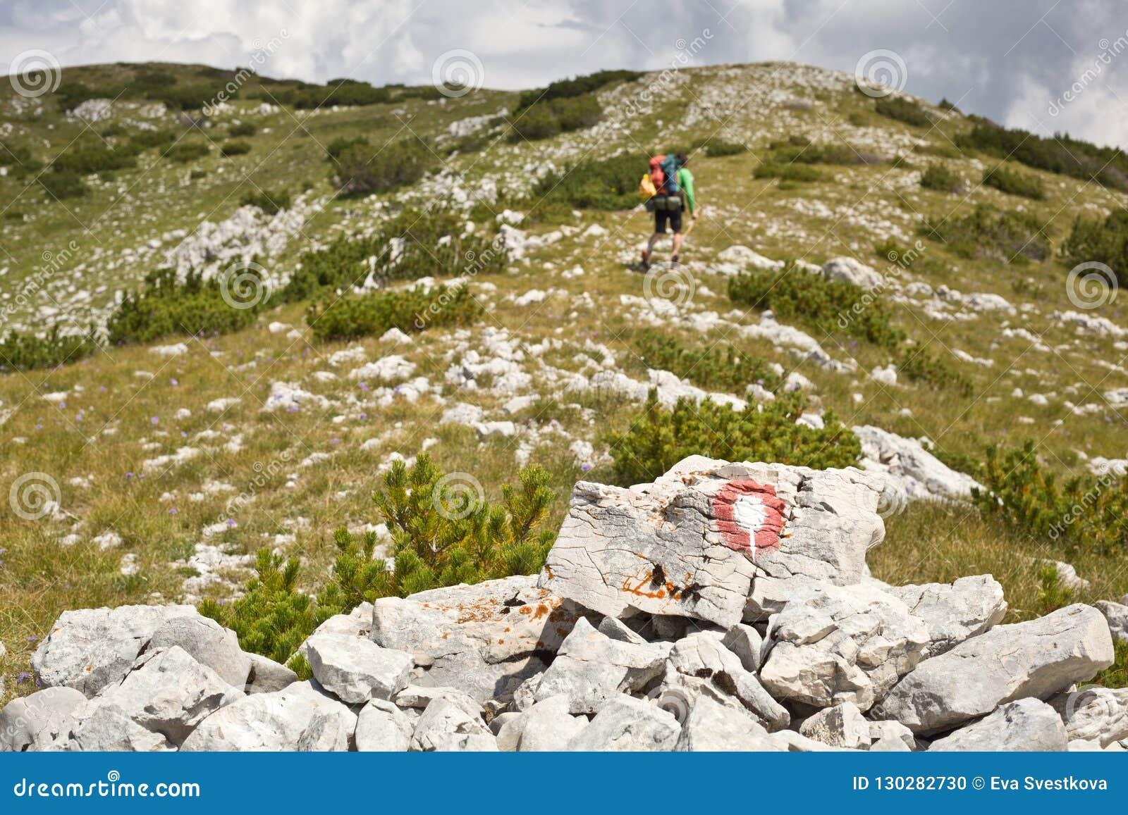 El caminar en las montañas de Vran - Bosnia y Herzegovina