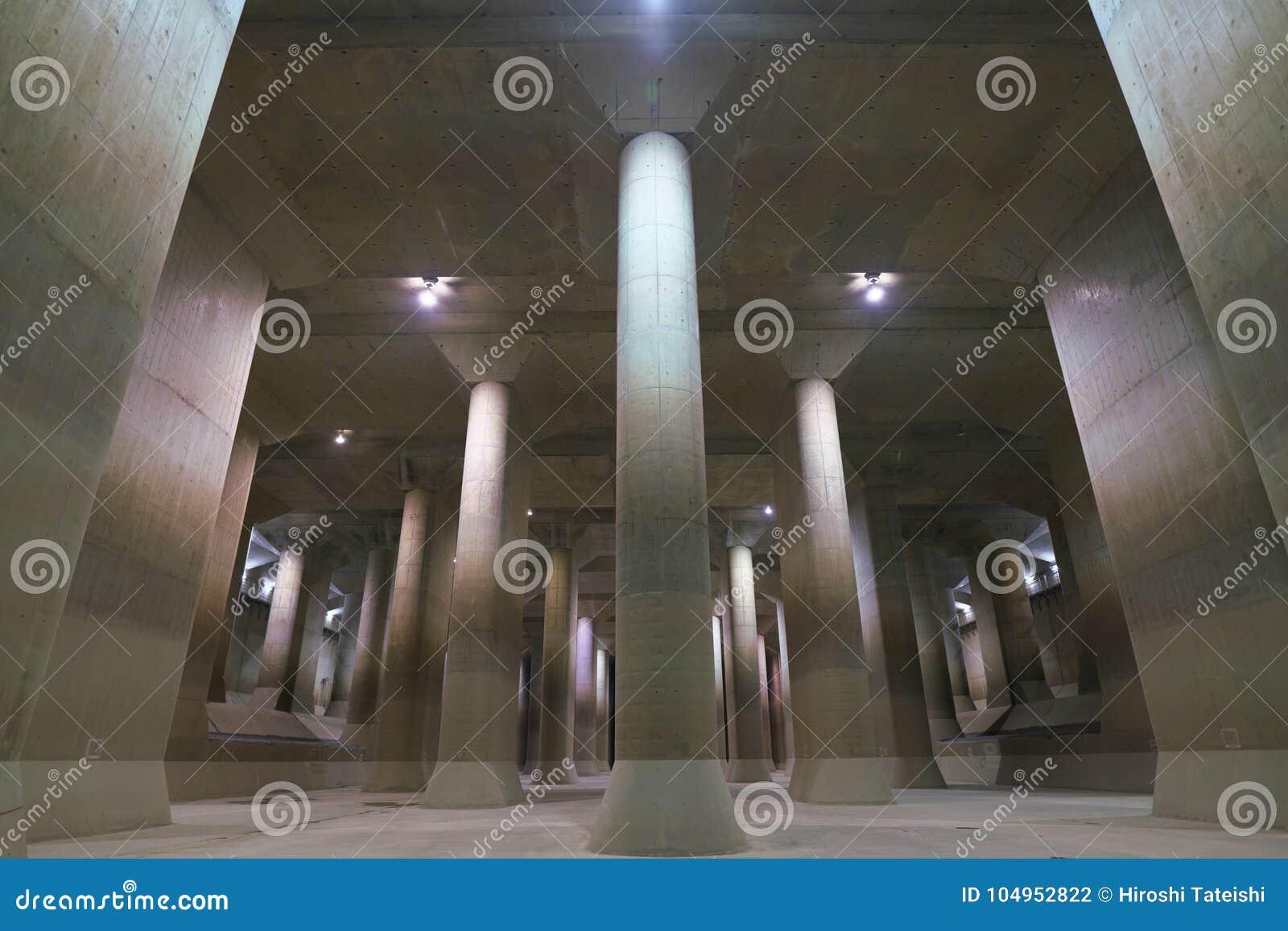 El canal de descarga subterráneo externo de la zona metropolitana