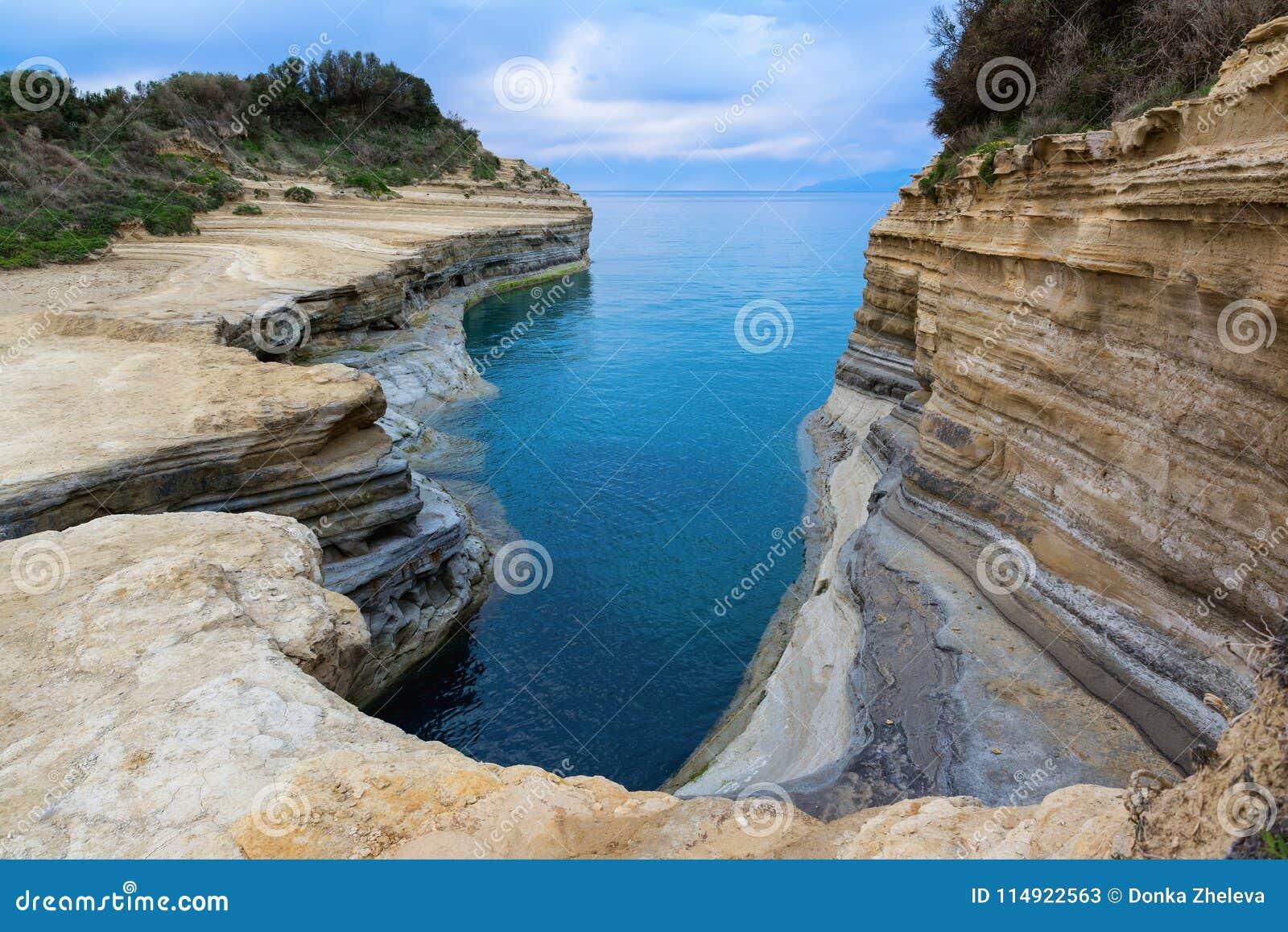 El canal del amor, amorío del ` del canal d en Sidari Isla de Corfú, Grecia