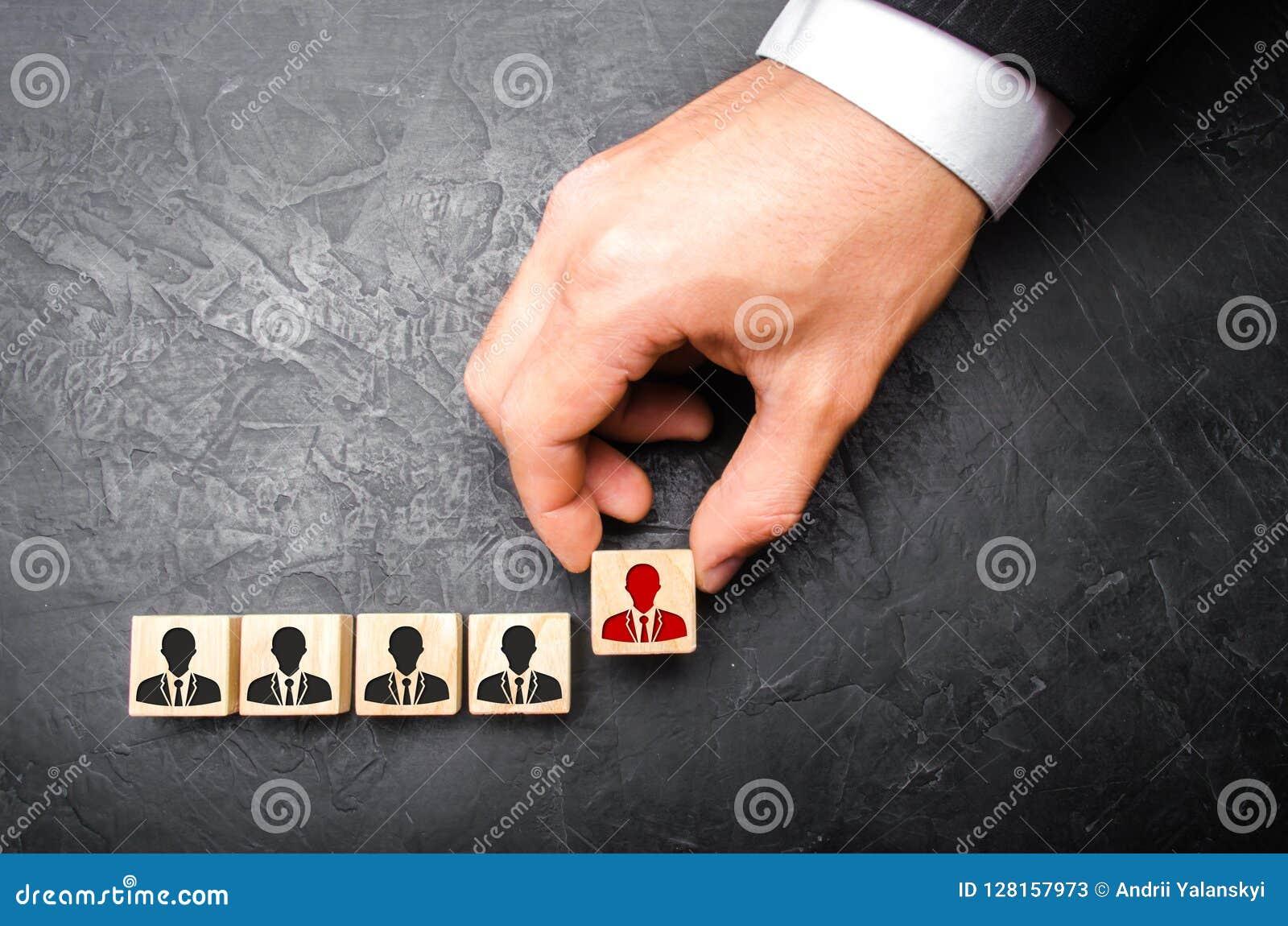 El cazador de cabezas recluta al personal El concepto de gente y de trabajadores del hallazgo en el trabajo Selección de equipos,