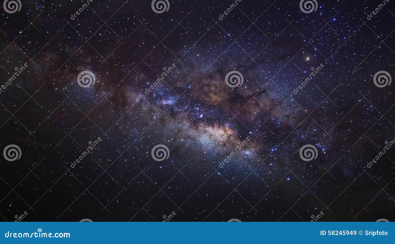 El centro de la galaxia de la vía láctea, fotografía larga de la exposición