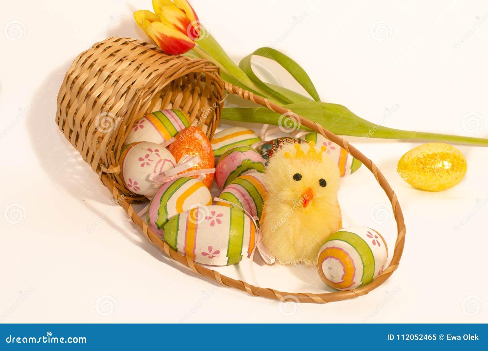 El chicling mullido y huevos de Pascua