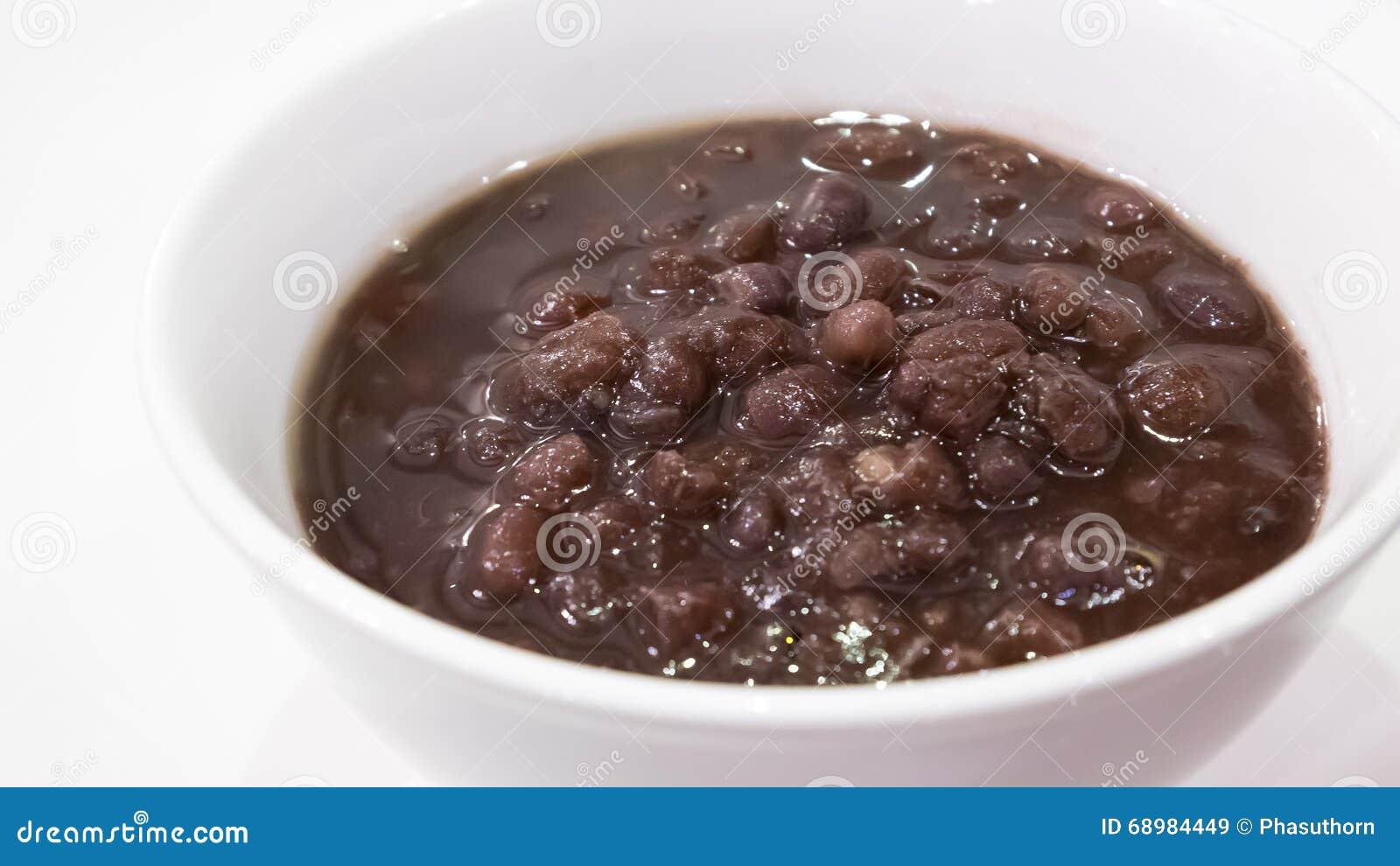 El cierre para arriba de la sopa dulce japonesa del postre de la goma de la haba roja