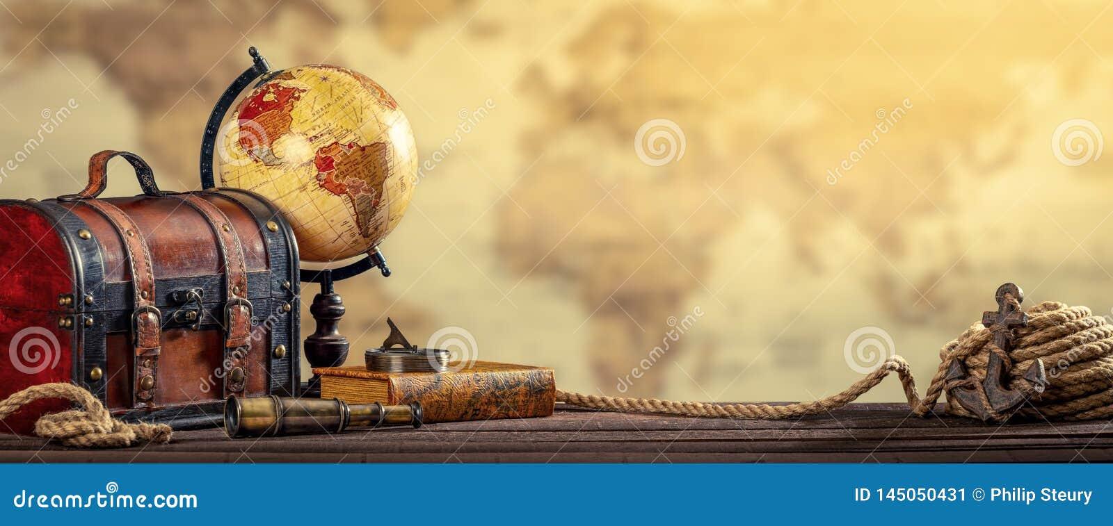El concepto náutico del World Travel del vintage envejeció efecto amarilleado