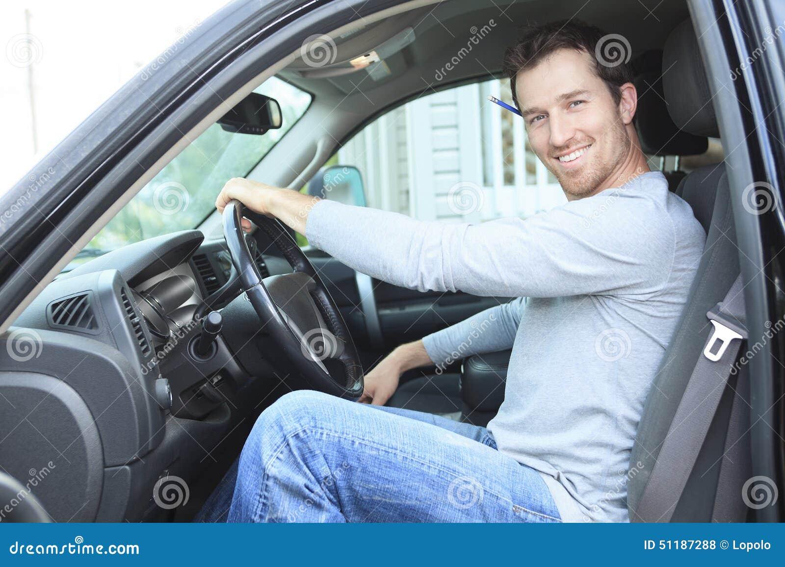 El contratista con es camión