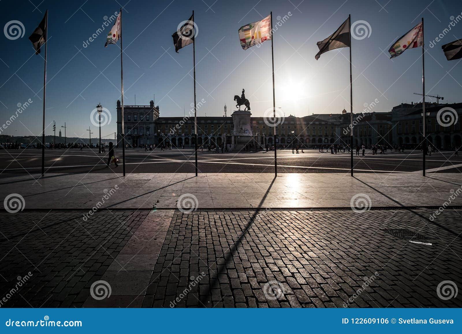 El cuadrado de Lisboa simetría portugal