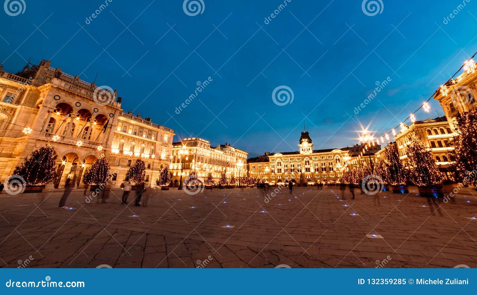 El cuadrado de Trieste durante tiempo de la Navidad