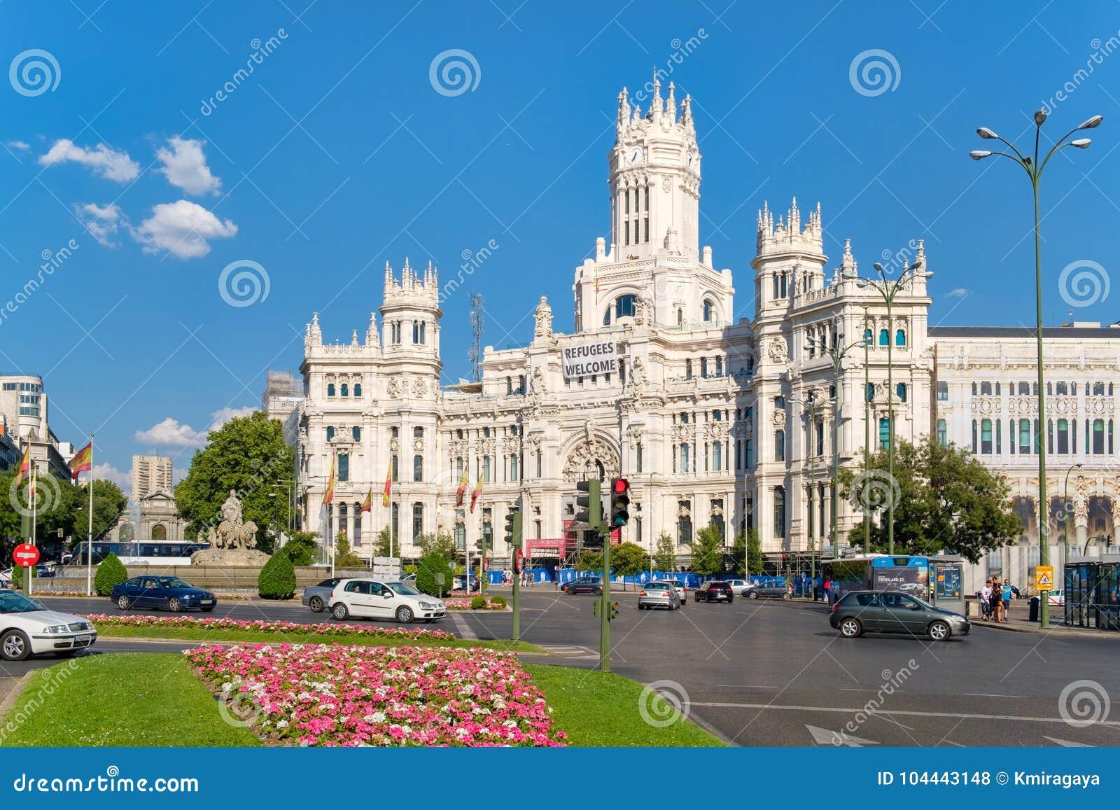 El Cuadrado Famoso De Cibeles Y El Palacio De Las