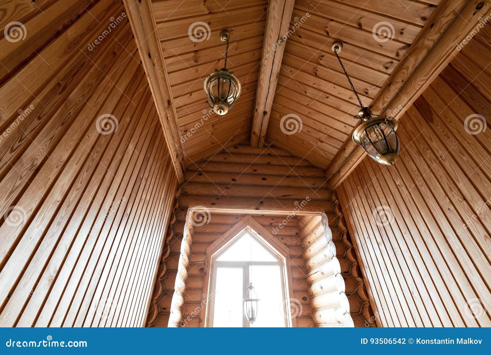 El cuarto de ba o en una caba a de madera r stica en las - Cabanas de madera los pinos ...