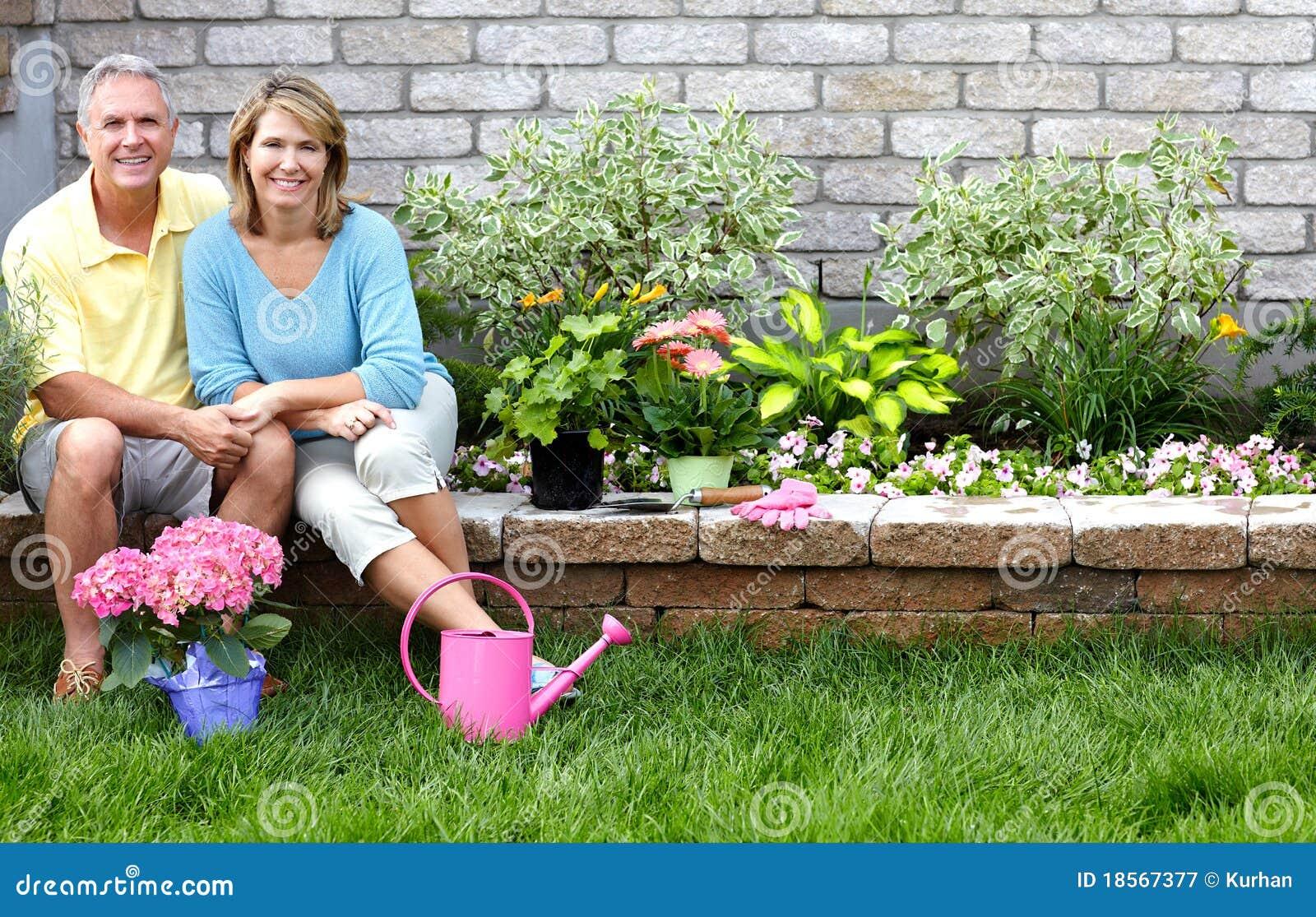 El cultivar un huerto de los mayores