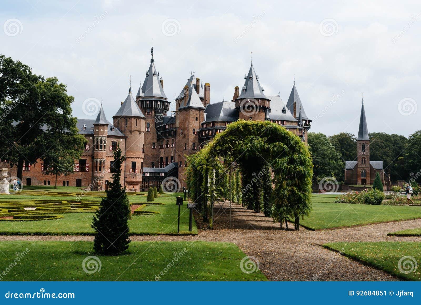 El De Haar Castle es el castillo más grande de los Países Bajos