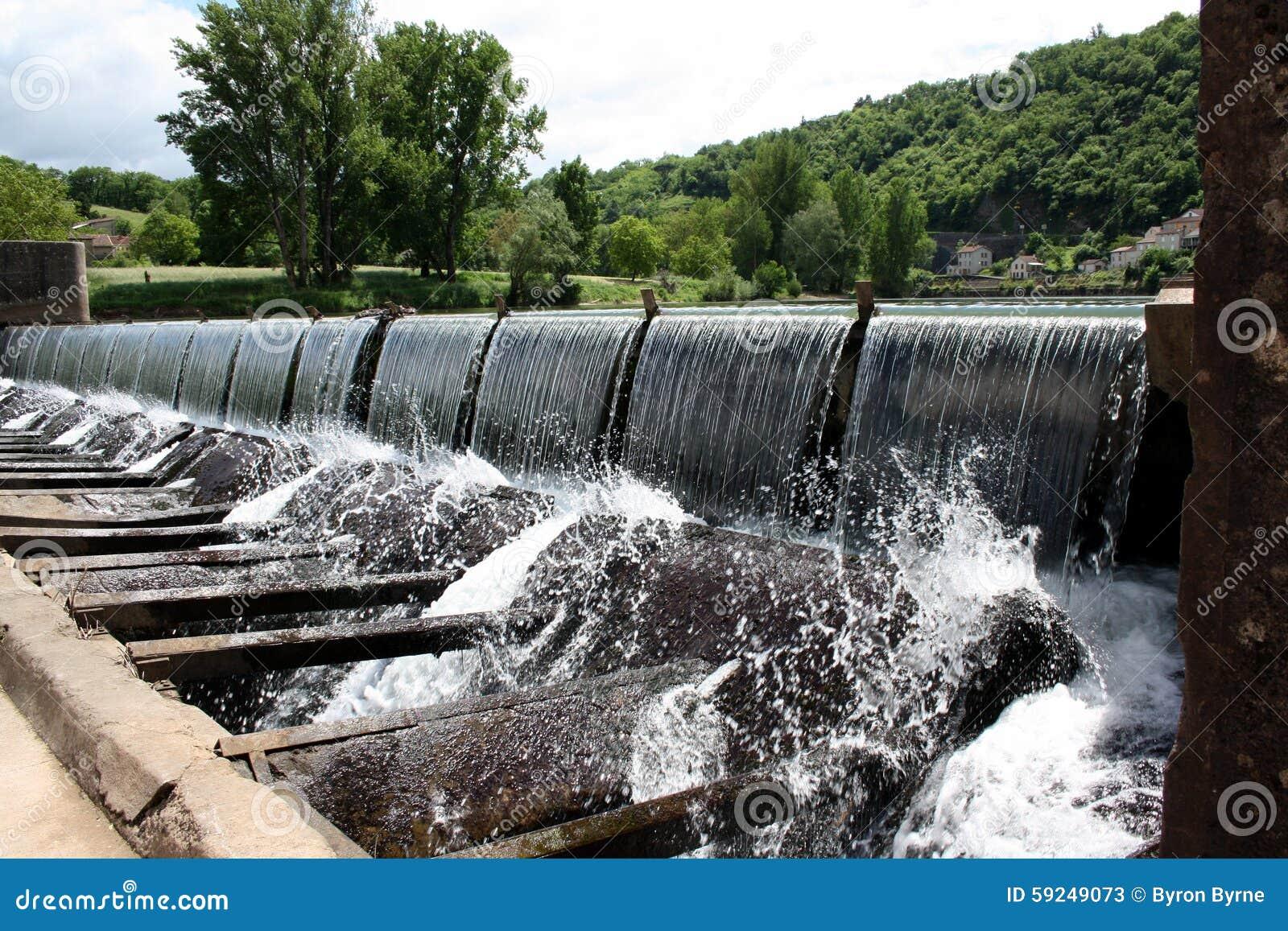 El desbordar de la presa