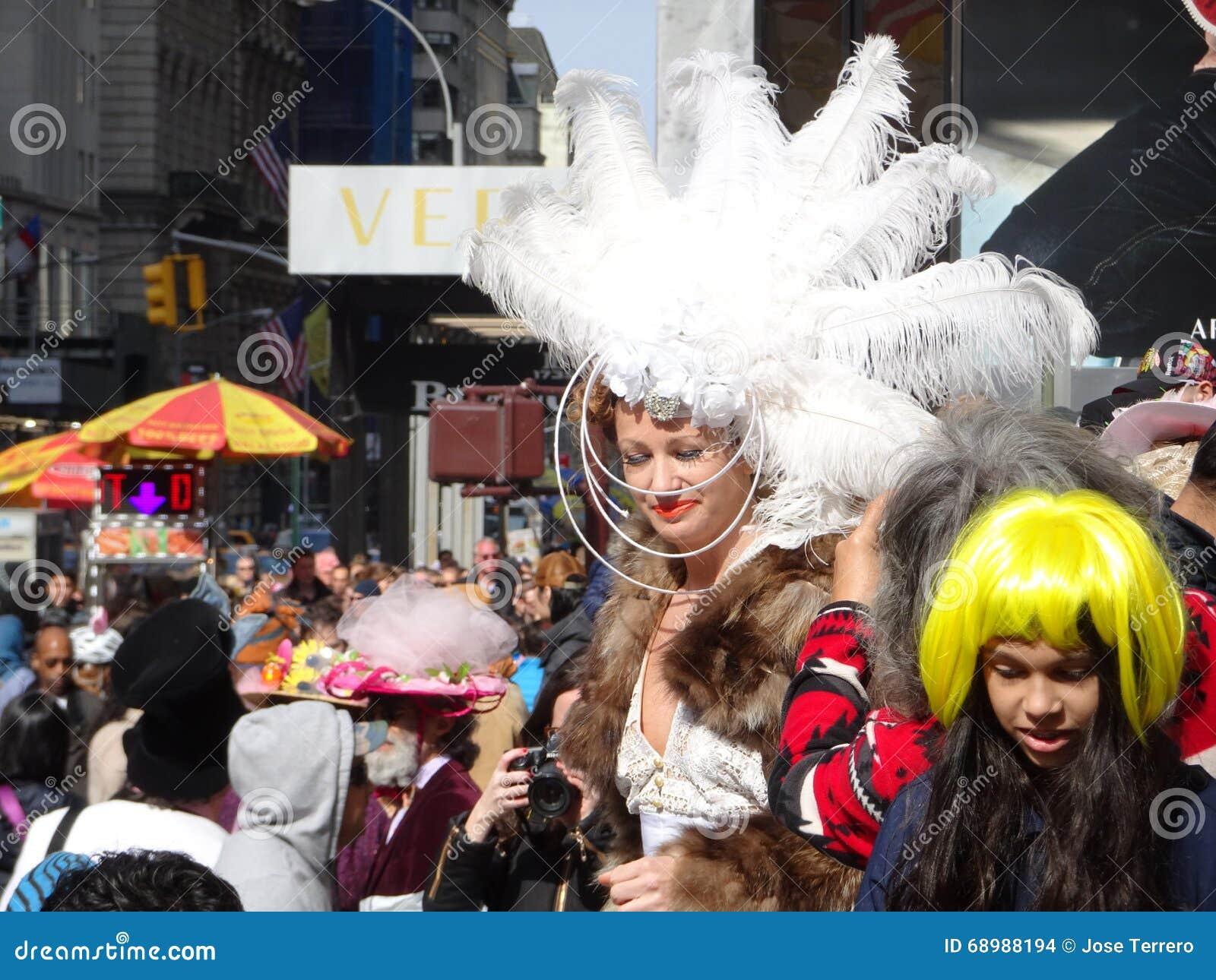 El desfile de 2016 NYC Pascua y el festival 71 del capo