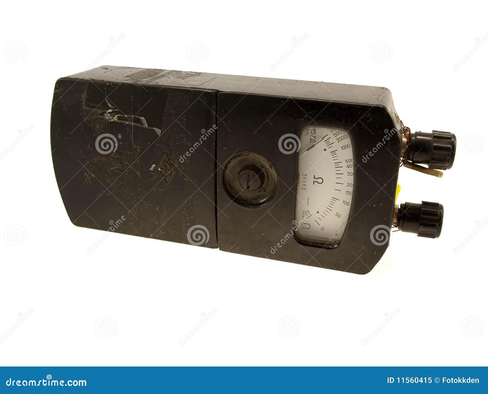 El dispositivo eléctrico un ohmímetro