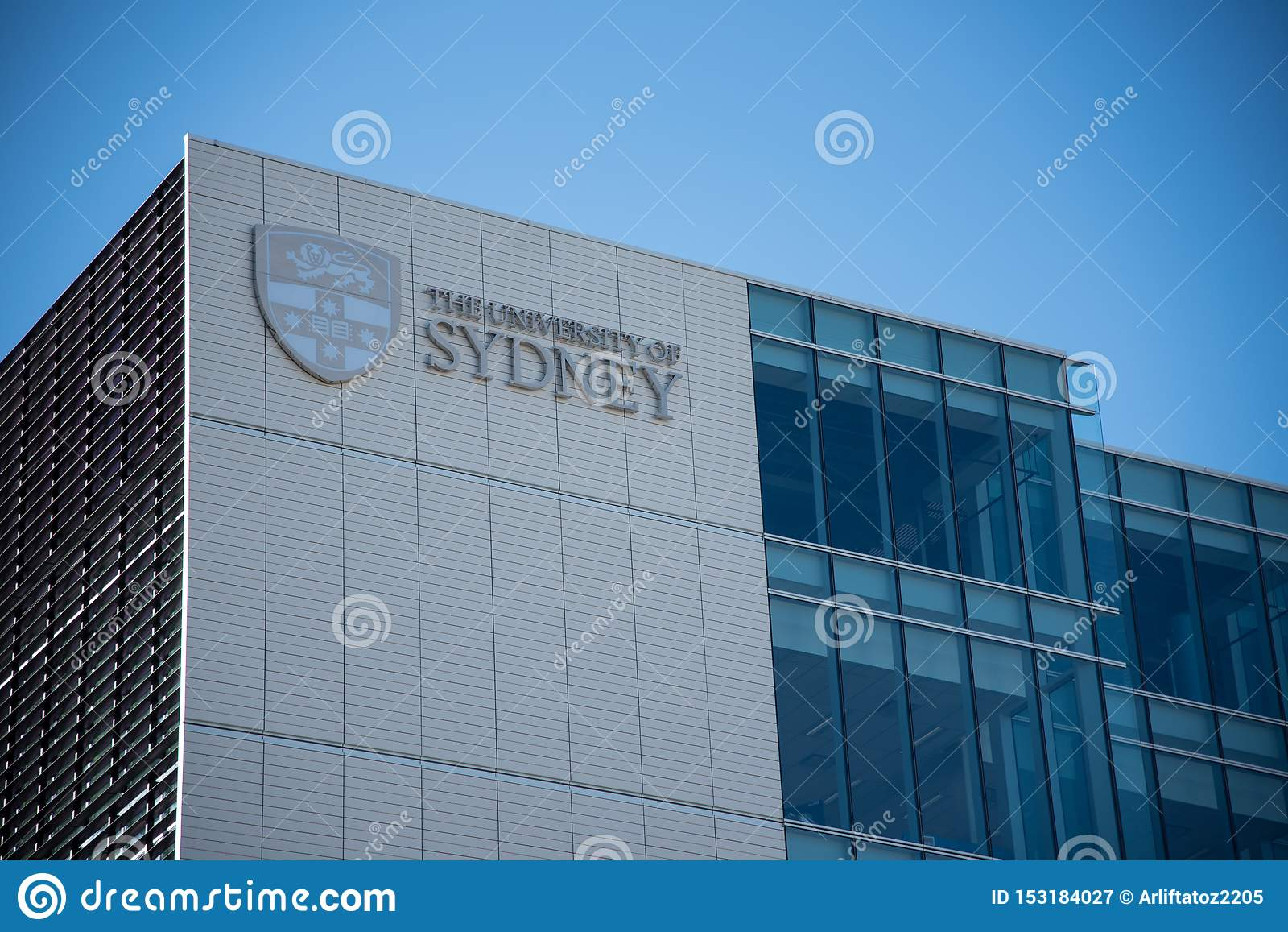 El edificio de la fachada de la universidad de Sydney, es la primera universidad de Australia y se mira como una del mundo que ll