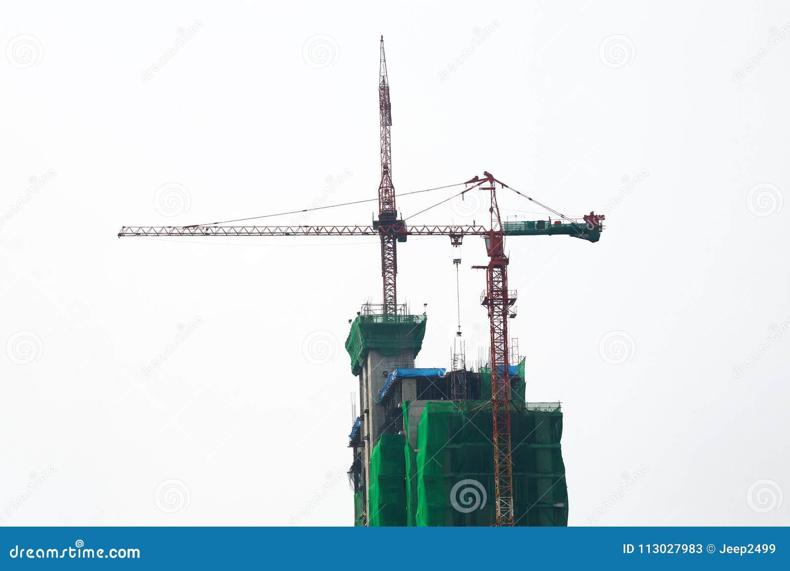 El edificio está bajo construcción