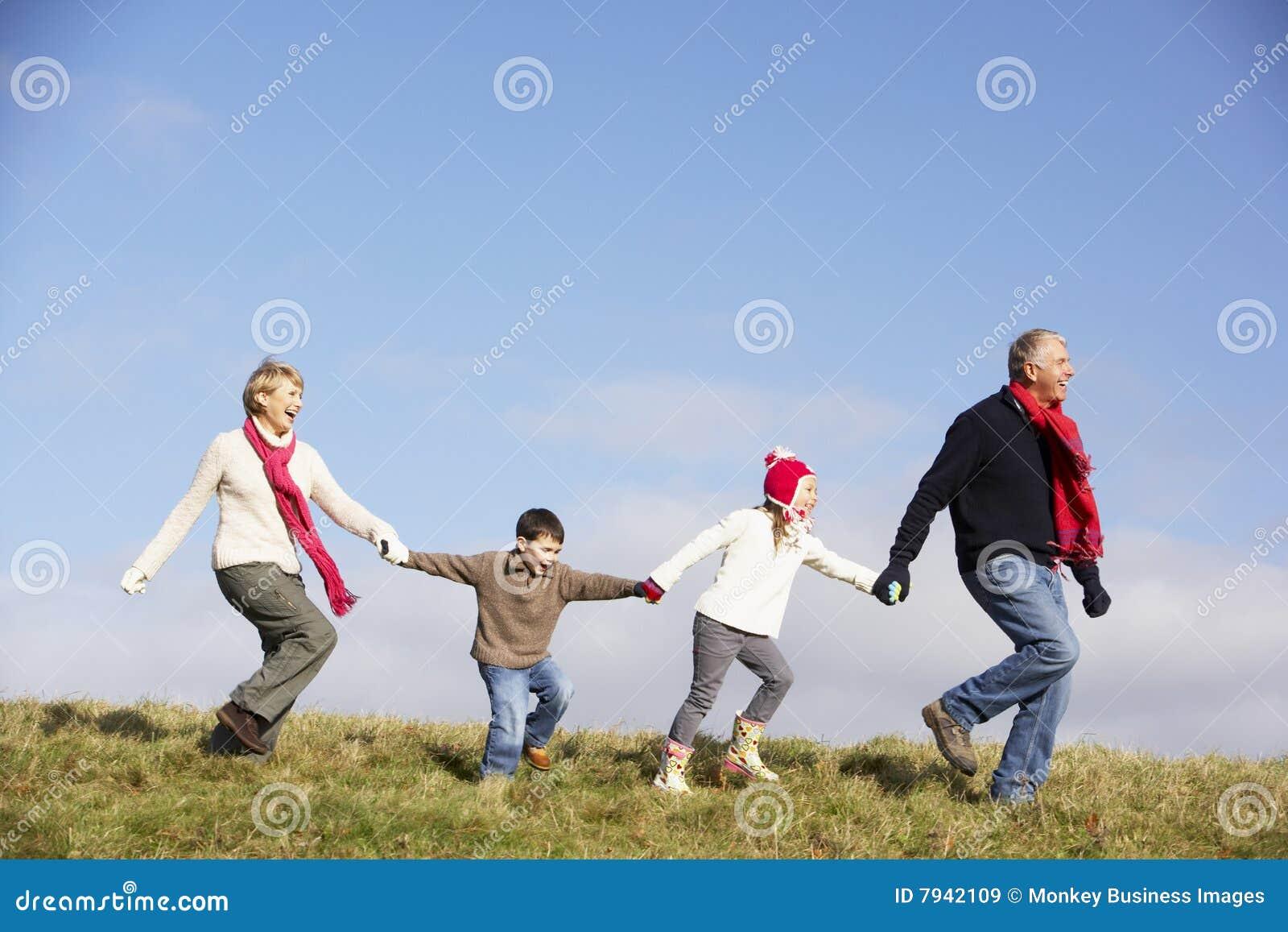 El ejecutarse de los abuelos y de los nietos