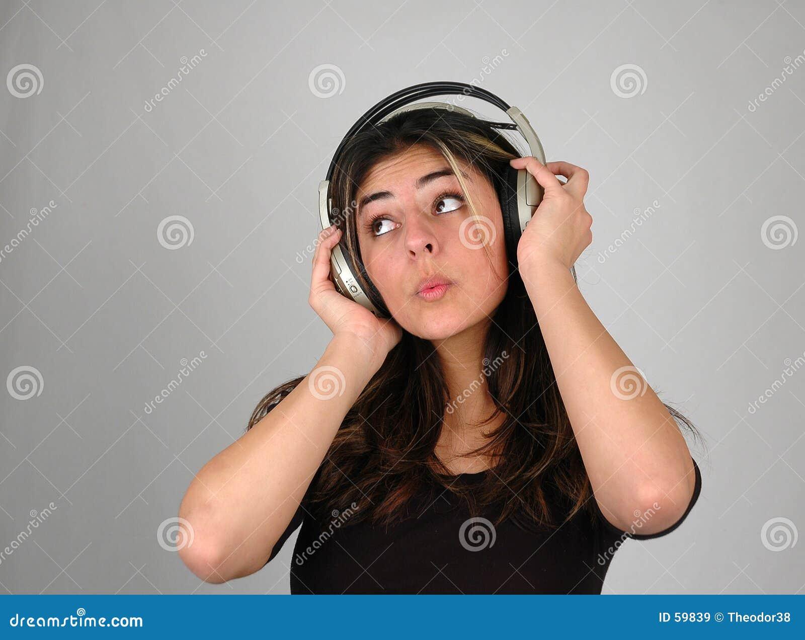 El escuchar music-3