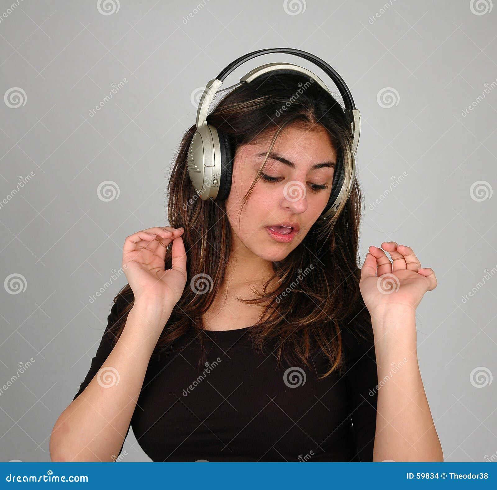 El escuchar music-8