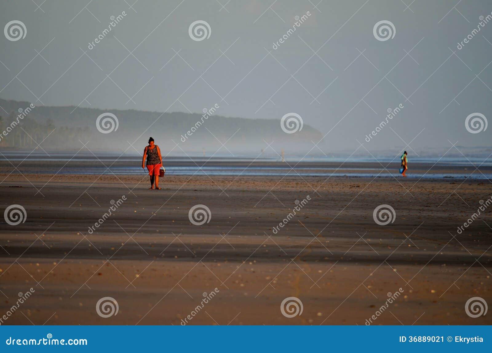 Download EL Espino Nella Sera, El Salvador Di Playa Fotografia Editoriale - Immagine di colorful, spiaggia: 36889021