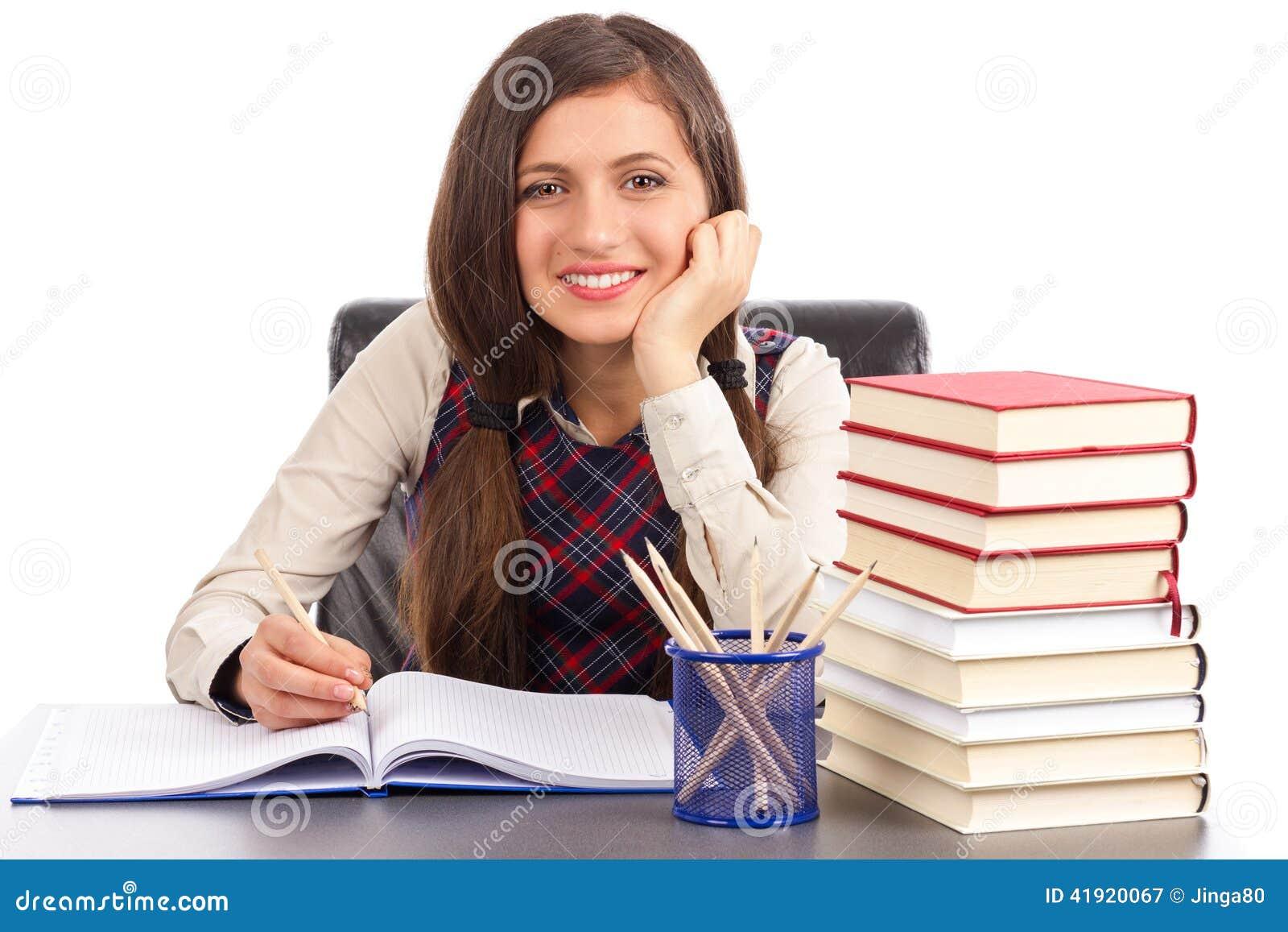 El estudio tiró de la colegiala sonriente que hacía su preparación