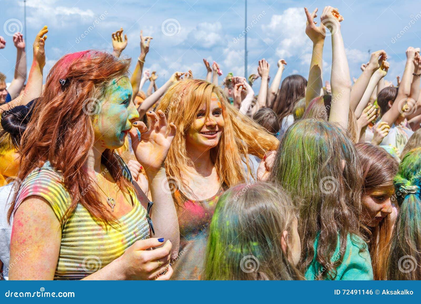El festival anual de los colores ColorFest