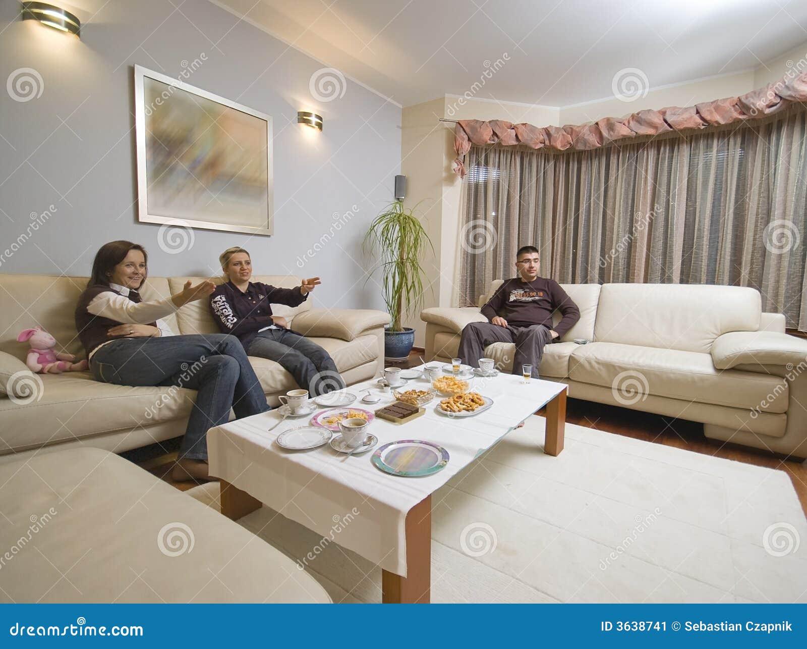 El hablar en sala de estar imagen de archivo imagen for Sala de estar en el patio