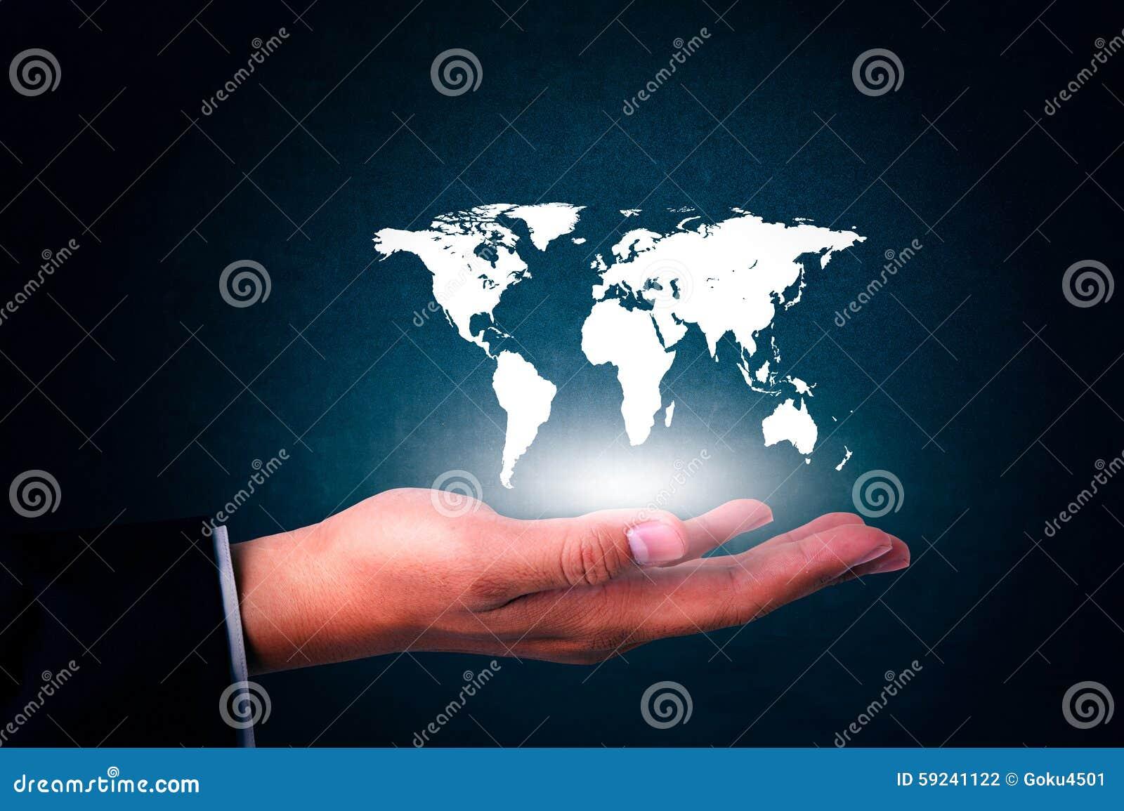 Download El Hombre De Negocios Sostiene El Mapa Del Mundo Disponible En Blanco Foto de archivo - Imagen de noche, comercialización: 59241122