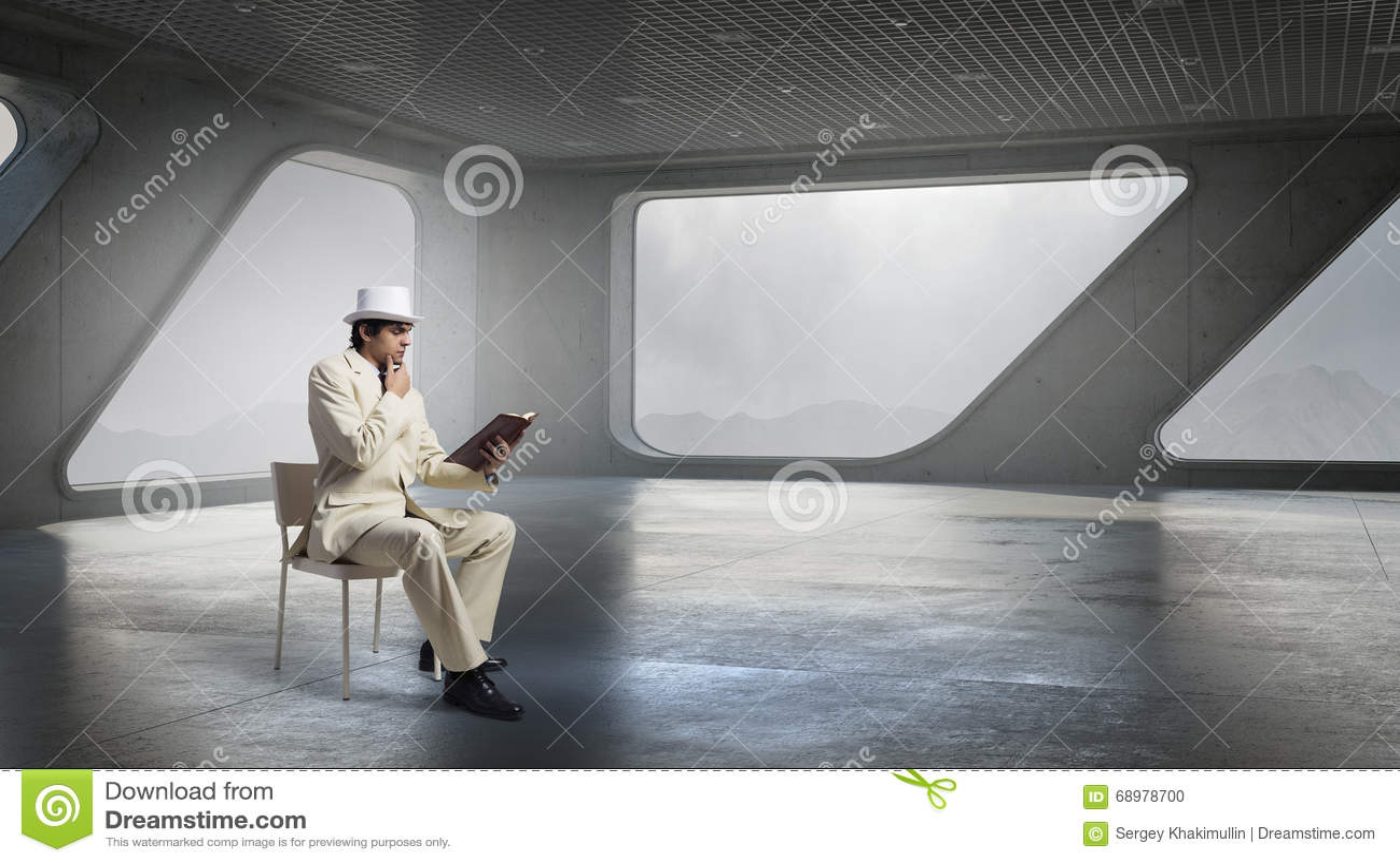 El hombre pensativo leyó el libro