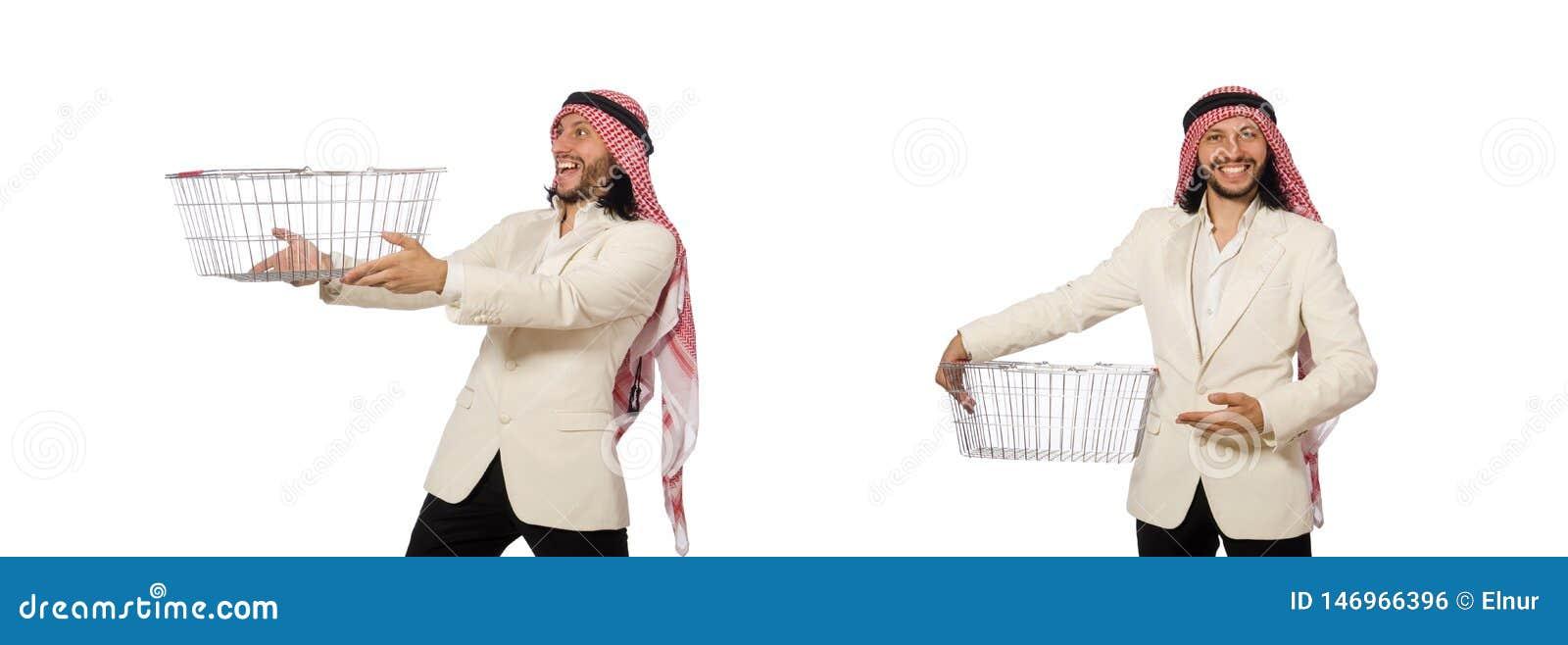 El hombre ?rabe que hace las compras aisladas en blanco