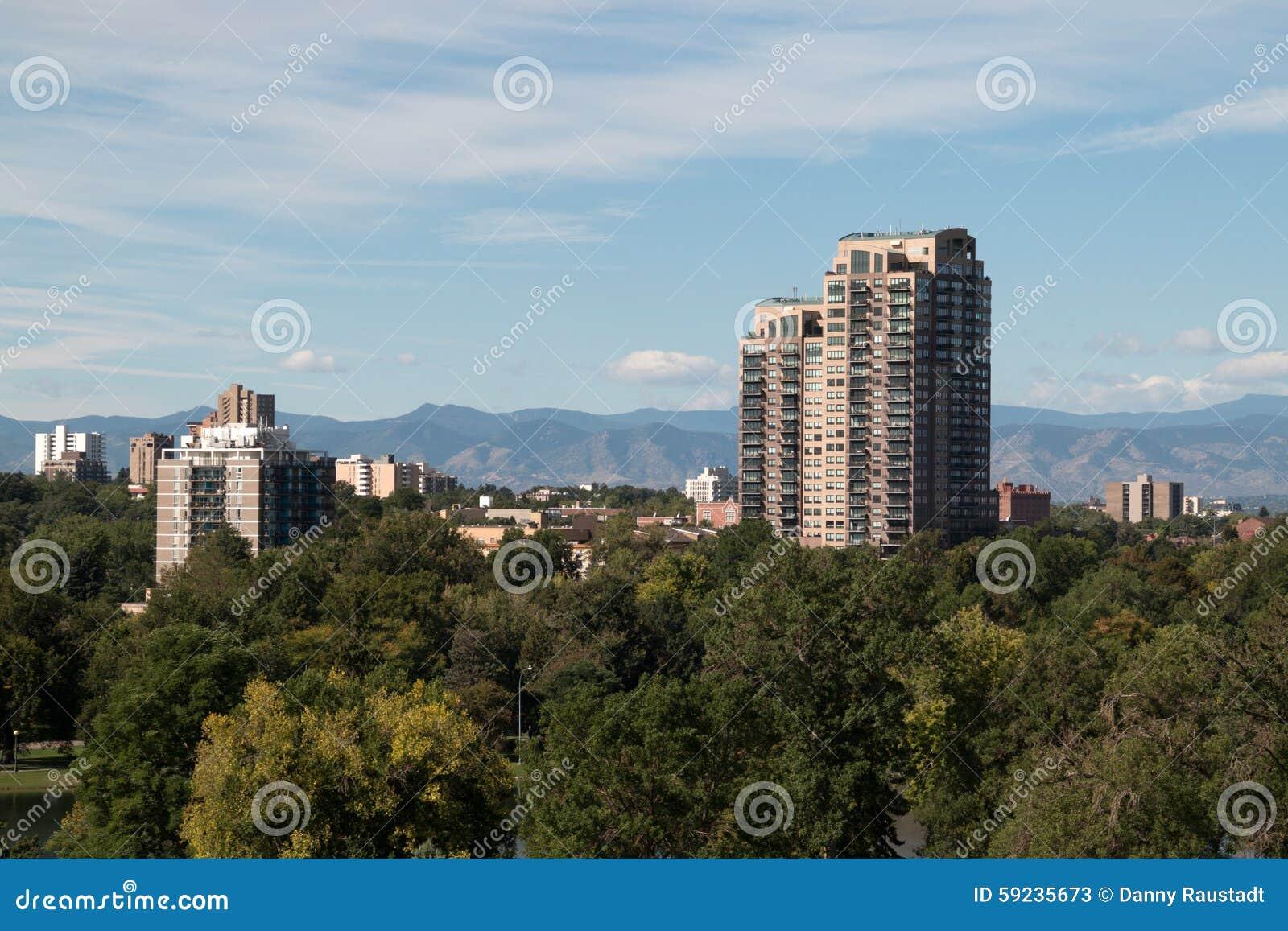 Download El Horizonte Emergente De Denver, Colorado Imagen de archivo - Imagen de apartamentos, arquitectónico: 59235673