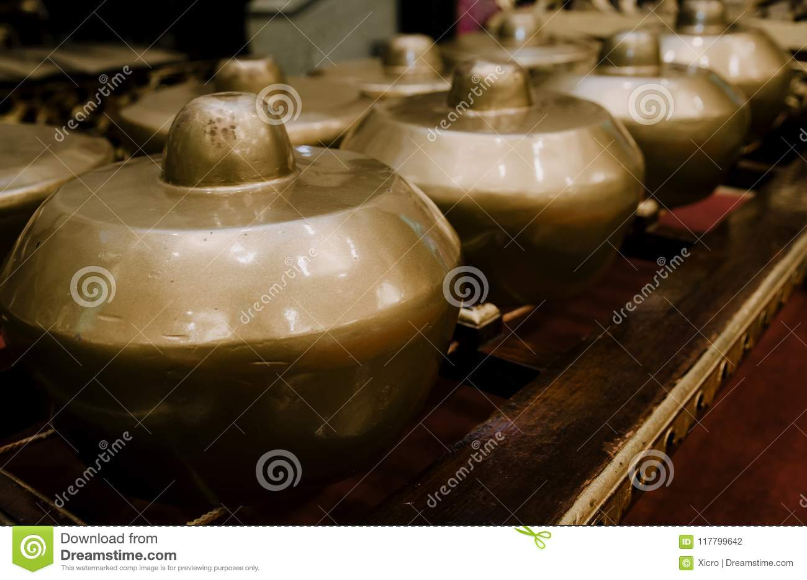 El instrumento de música tradicional malasio llamó Gamelan con beaut
