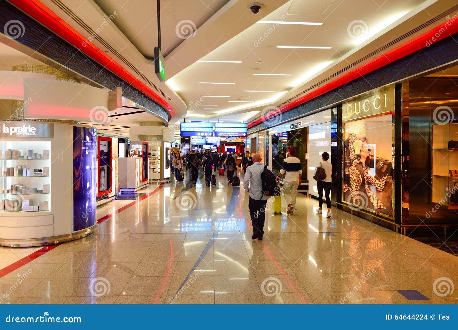 El Interior Con Franquicia Del área De Compras De Dubai Imagen de ...