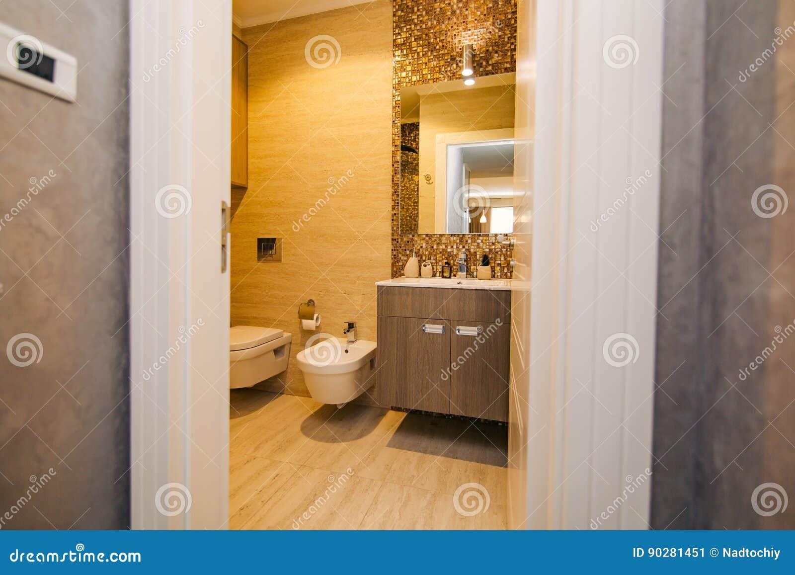 El Interior Del Cuarto De Baño Diseño Interior Cuarto De ...