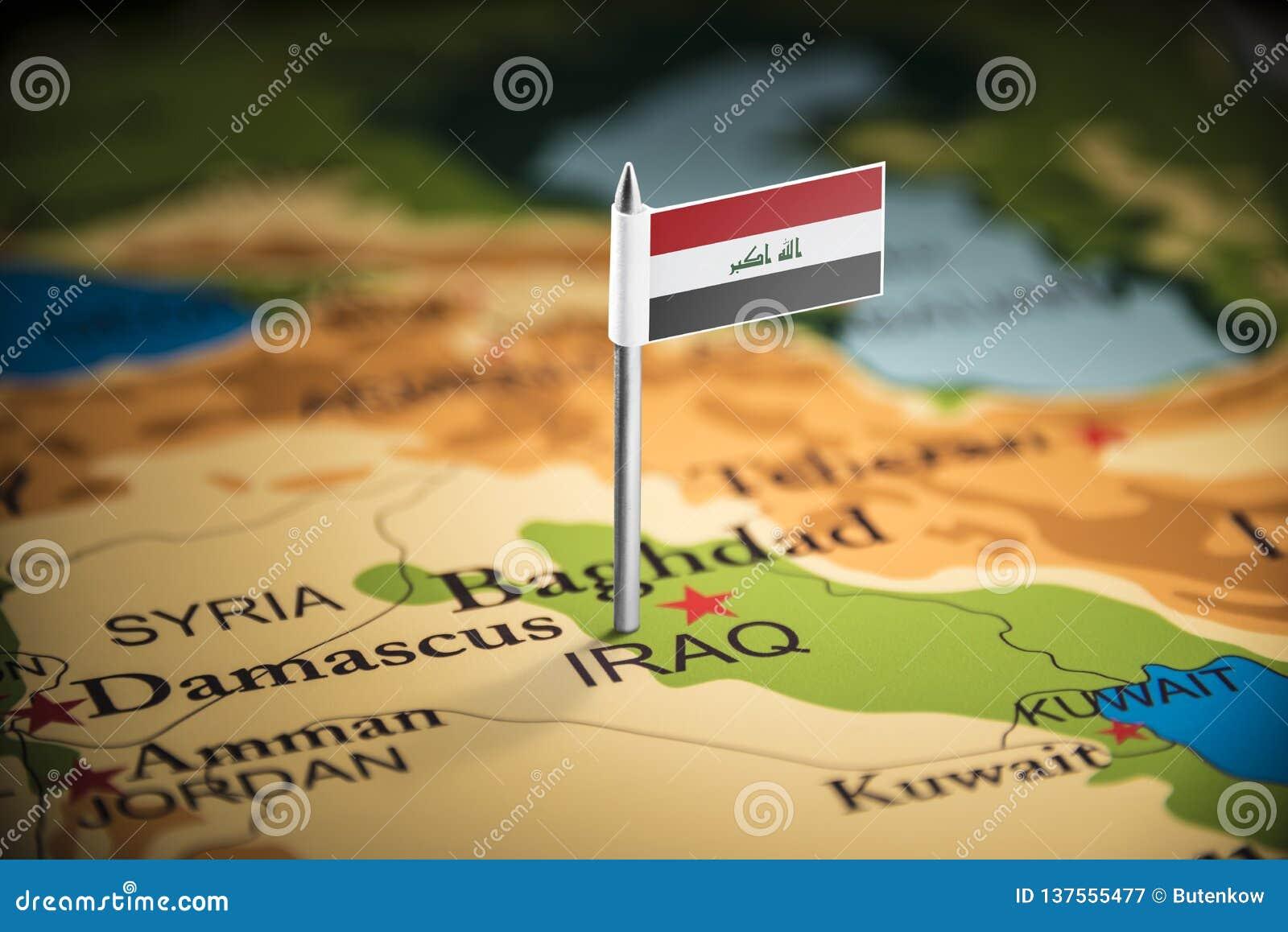 El iraquí marcó con una bandera en el mapa