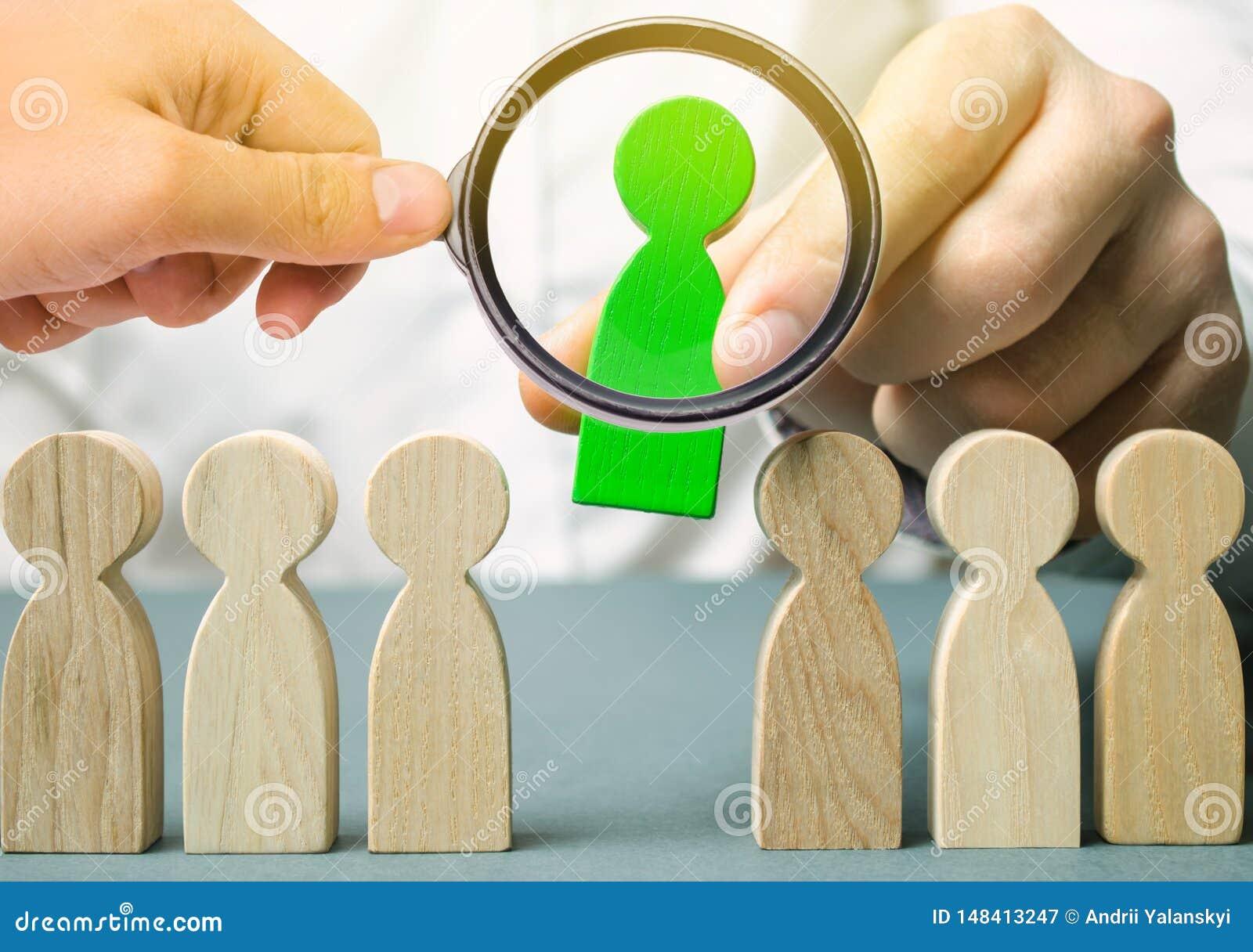 El l?der elige a la persona en el equipo Trabajador talentoso Personal de alquiler B?squeda del empleado promueva Gesti?n de recu